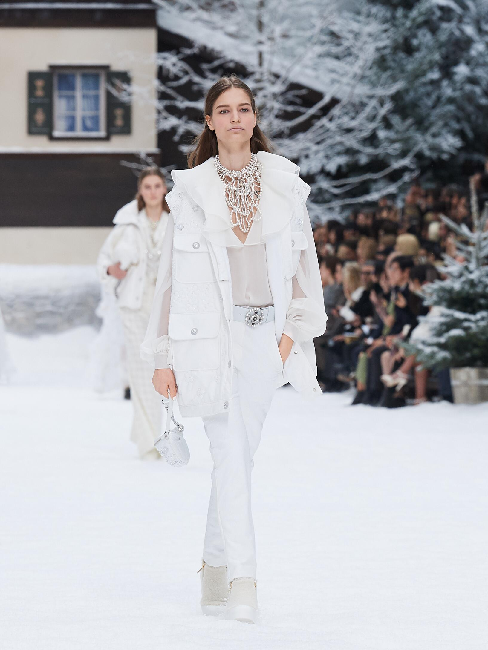 Fashion 2019 Runway Chanel FW