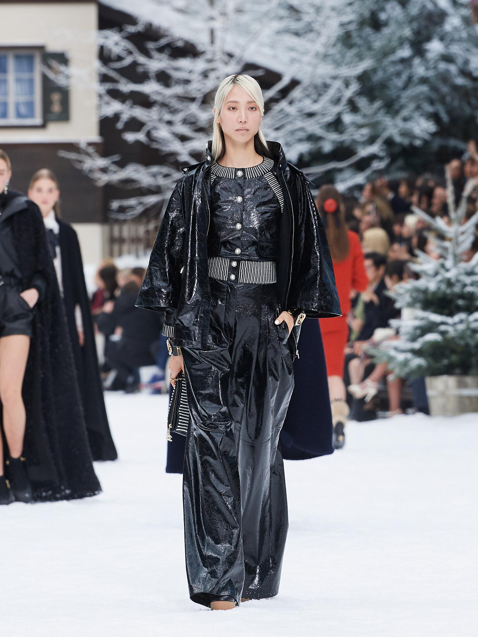 Fashion 2019 Runway Chanel Winter