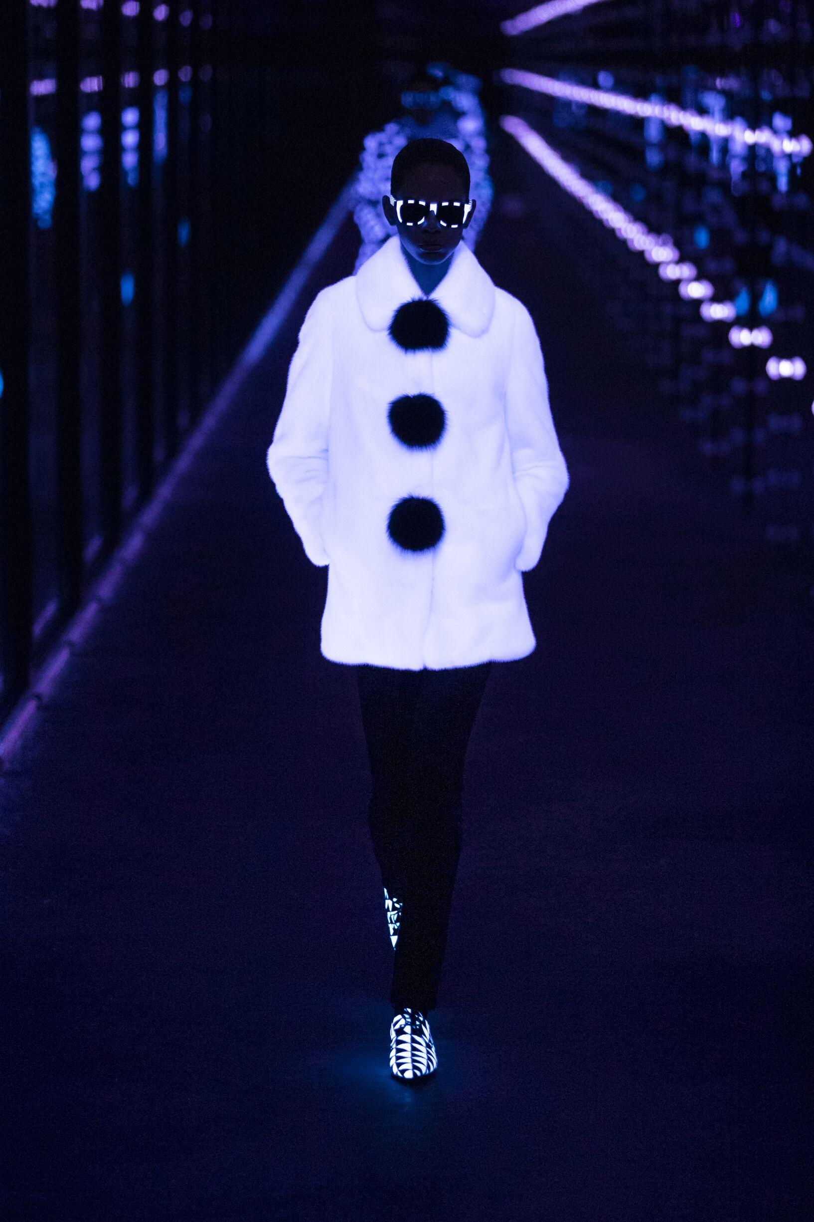Fashion 2019 Runway Saint Laurent Winter Woman