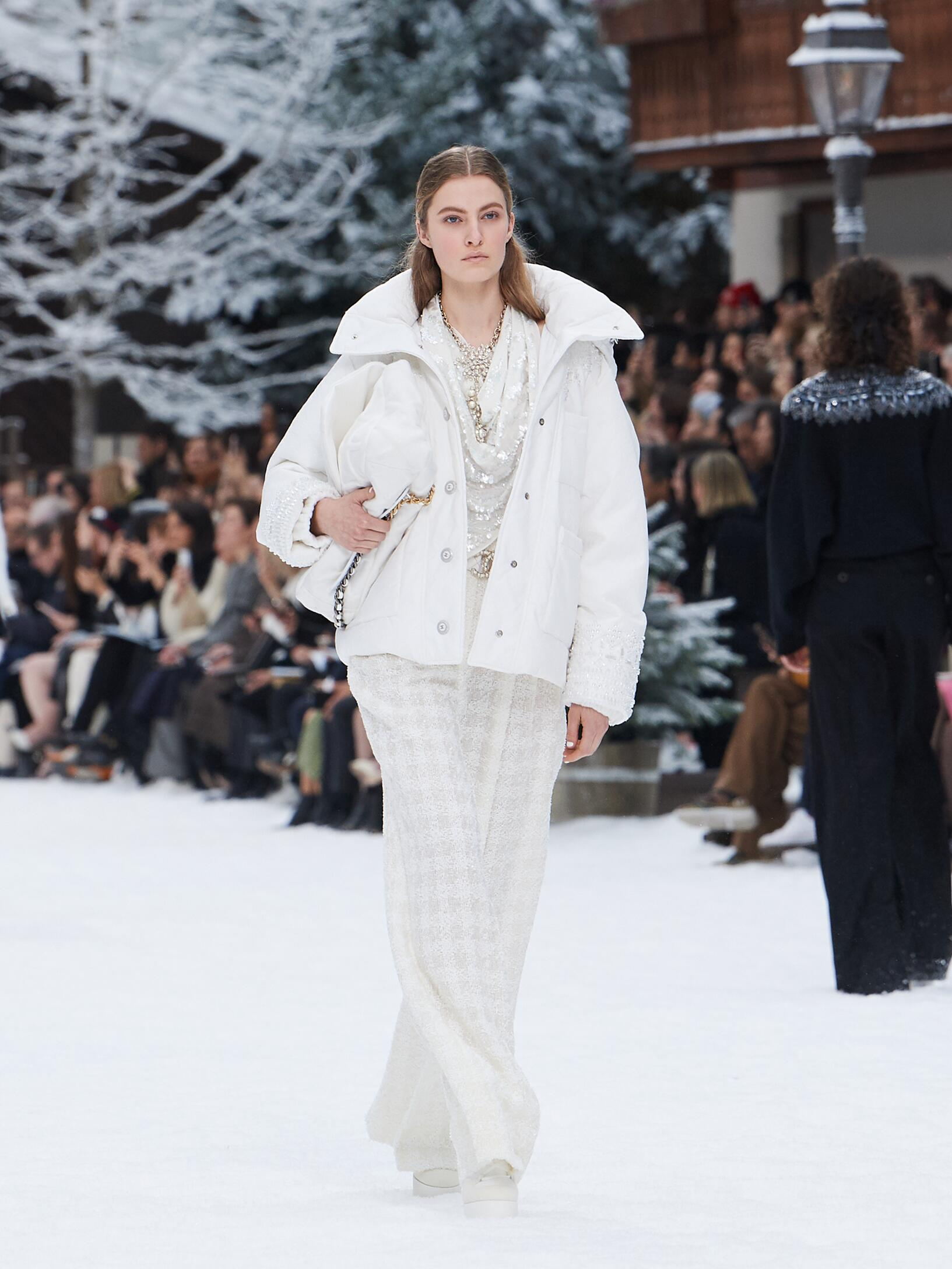 Fashion 2019 Women Style Chanel