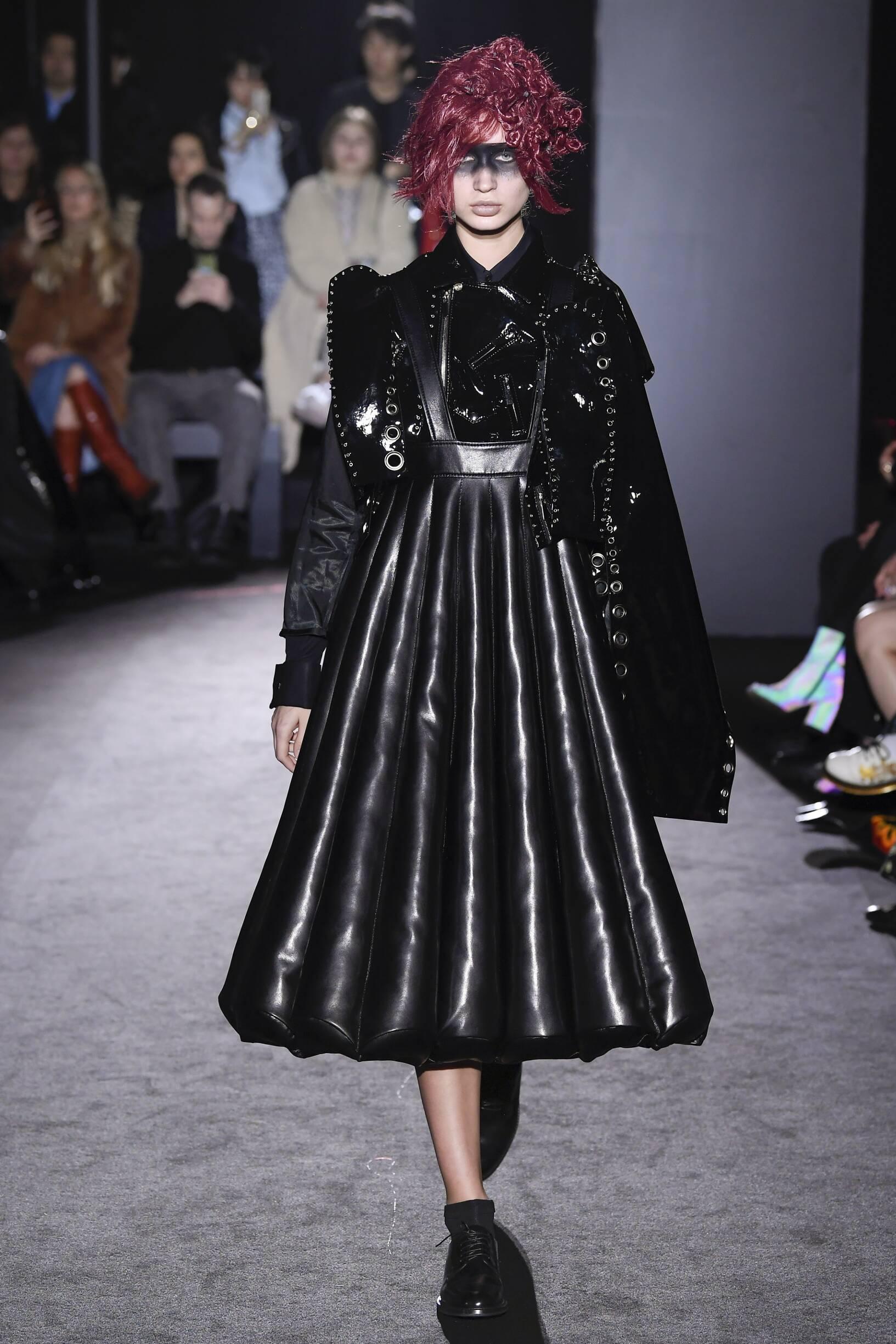 Fashion Model Noir Kei Ninomiya Catwalk