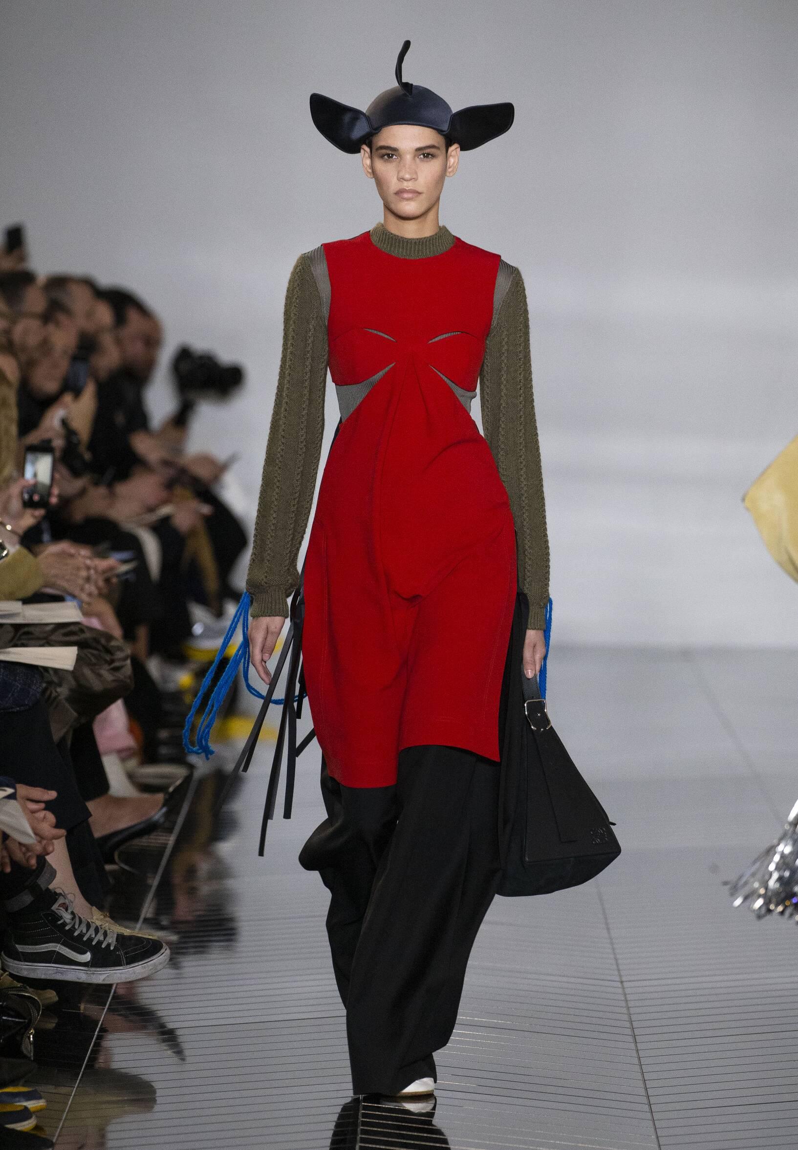 Fashion Show Woman Model Loewe Catwalk