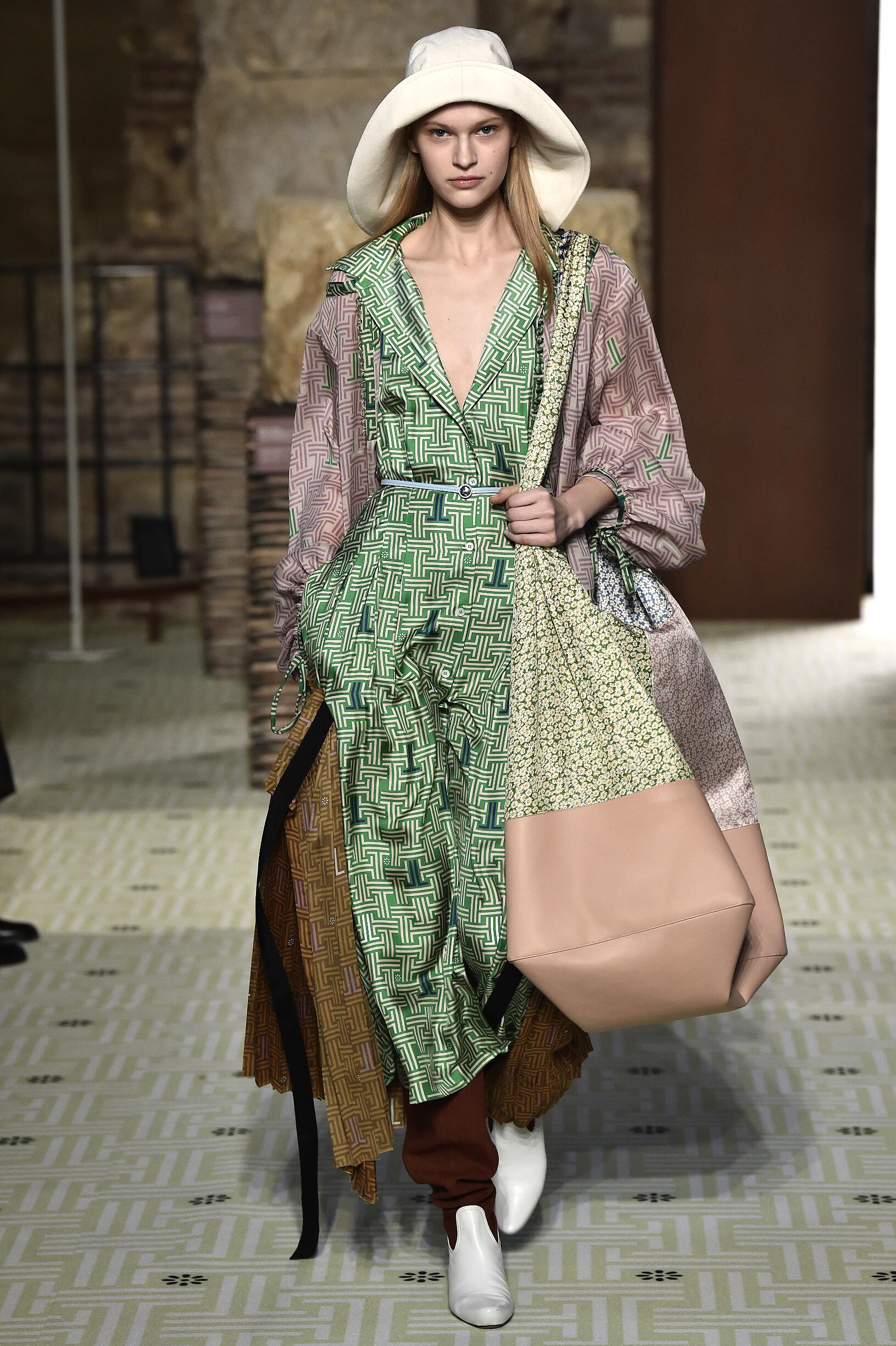 Lanvin Paris Fashion Week Womenswear 2019-20