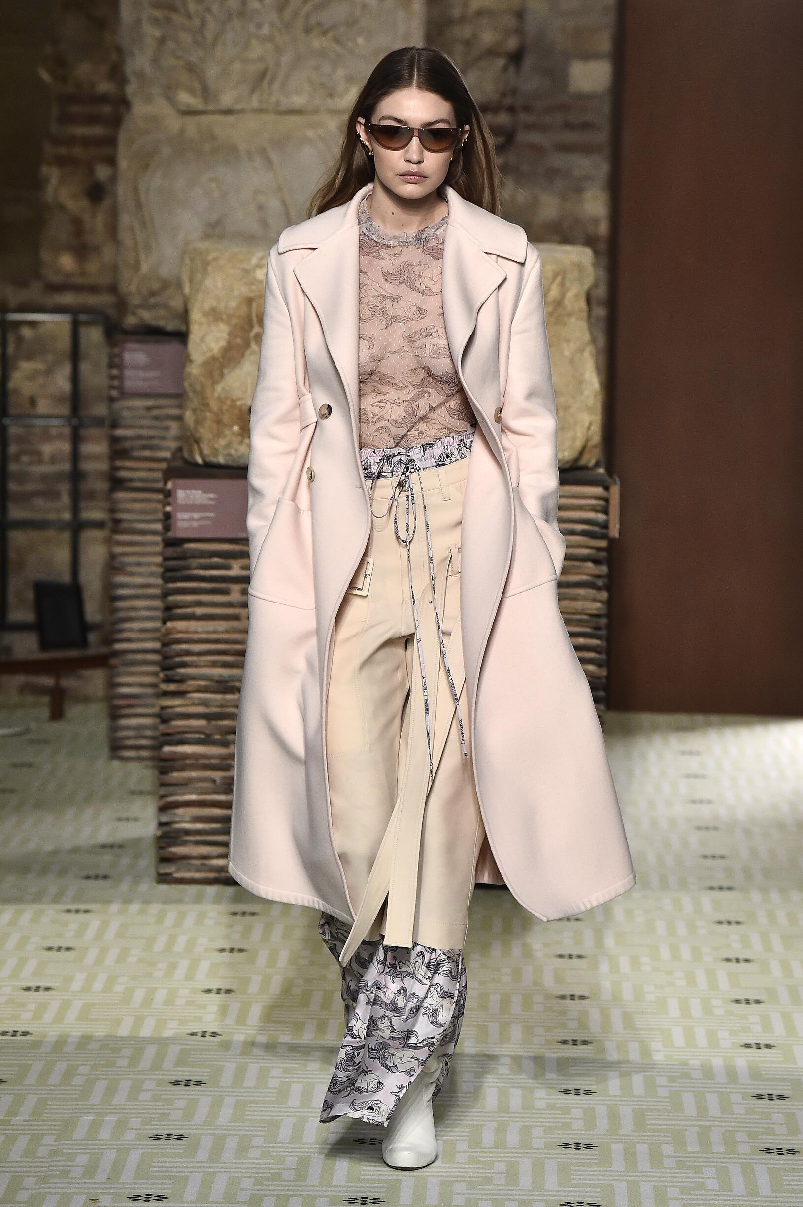 Lanvin Womenswear Collection Trends