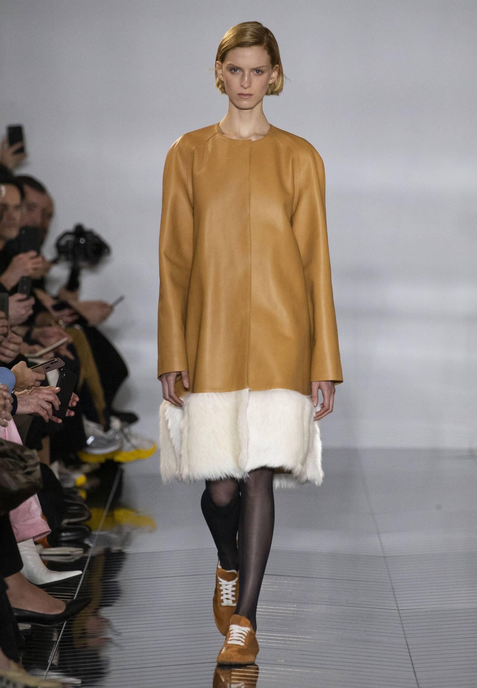 Loewe Woman 2019-20