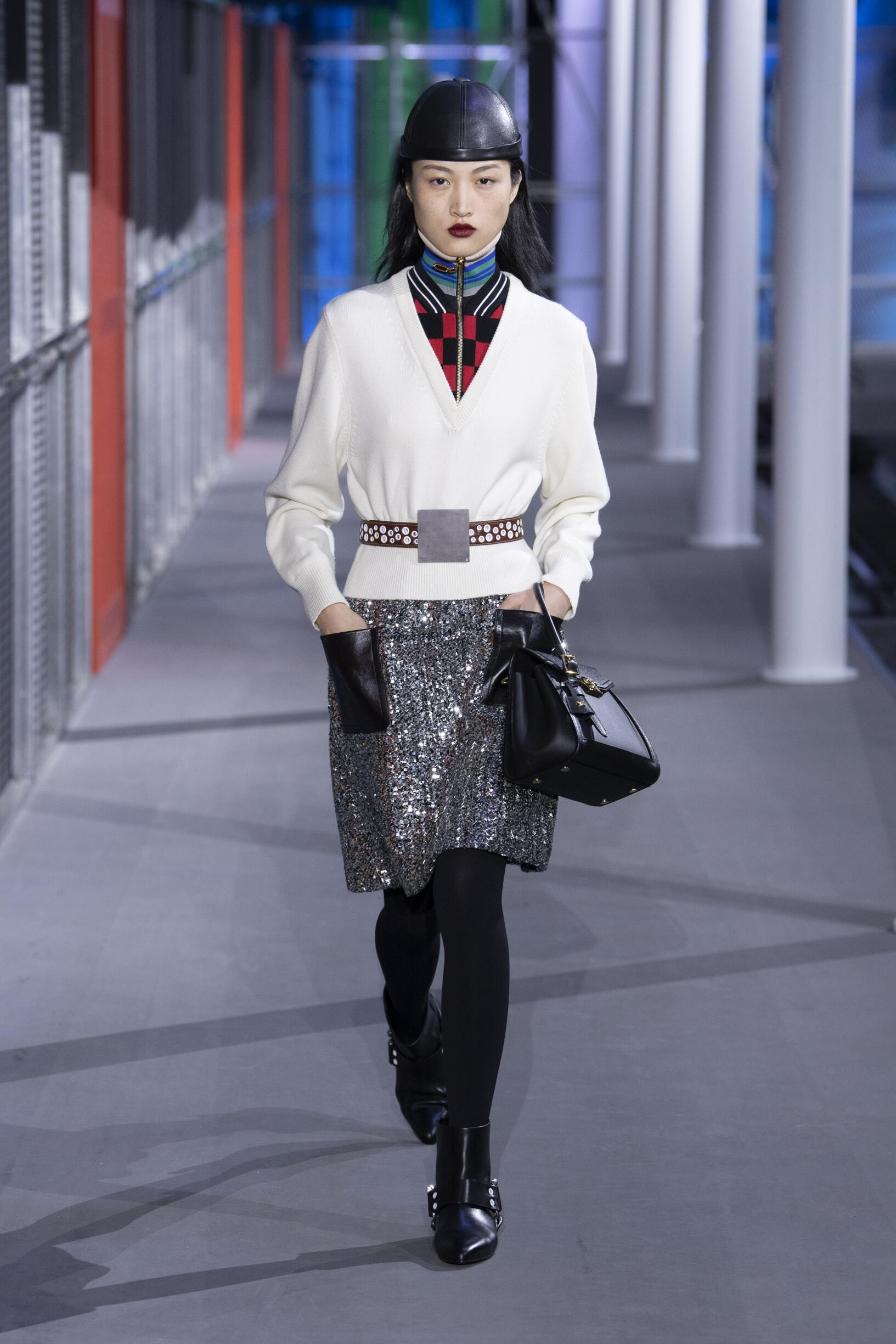 fc7f3a46 LOUIS VUITTON FALL WINTER 2019 WOMEN'S COLLECTION | The Skinny Beep