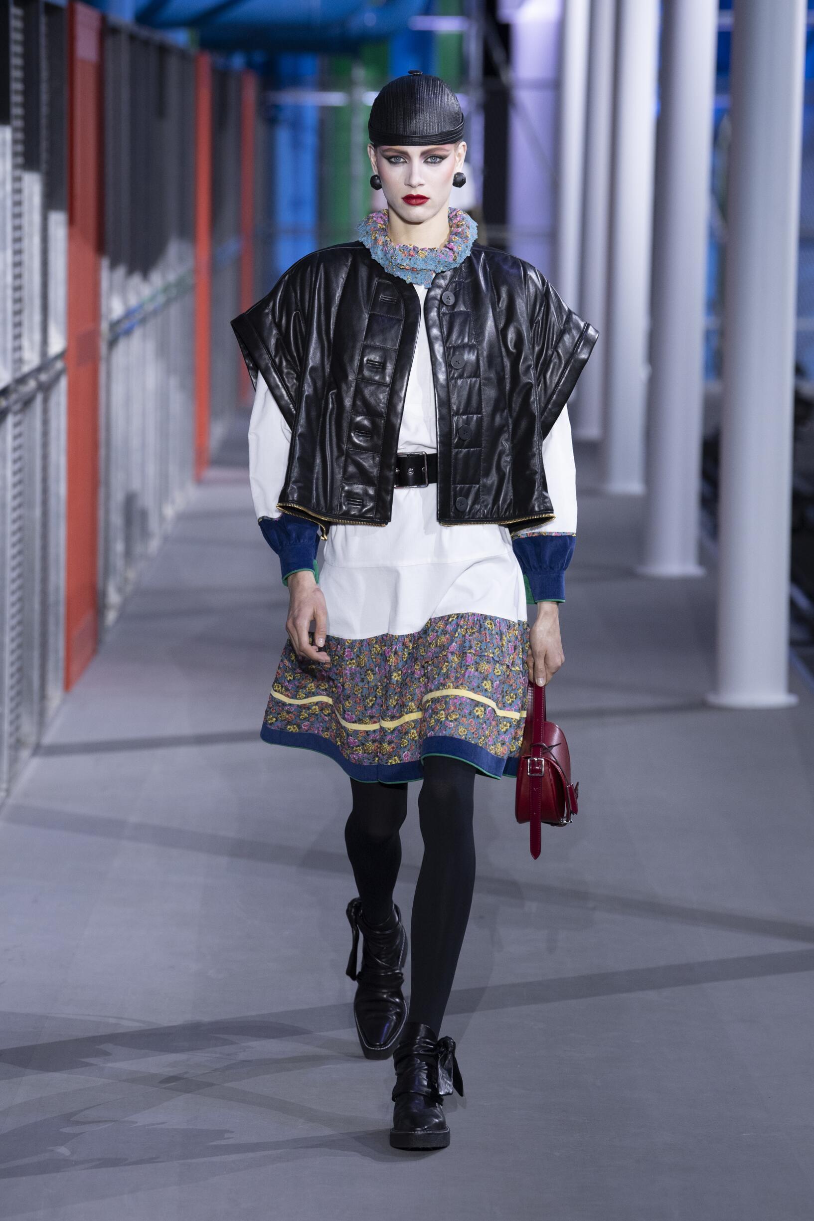 Louis Vuitton Women Style
