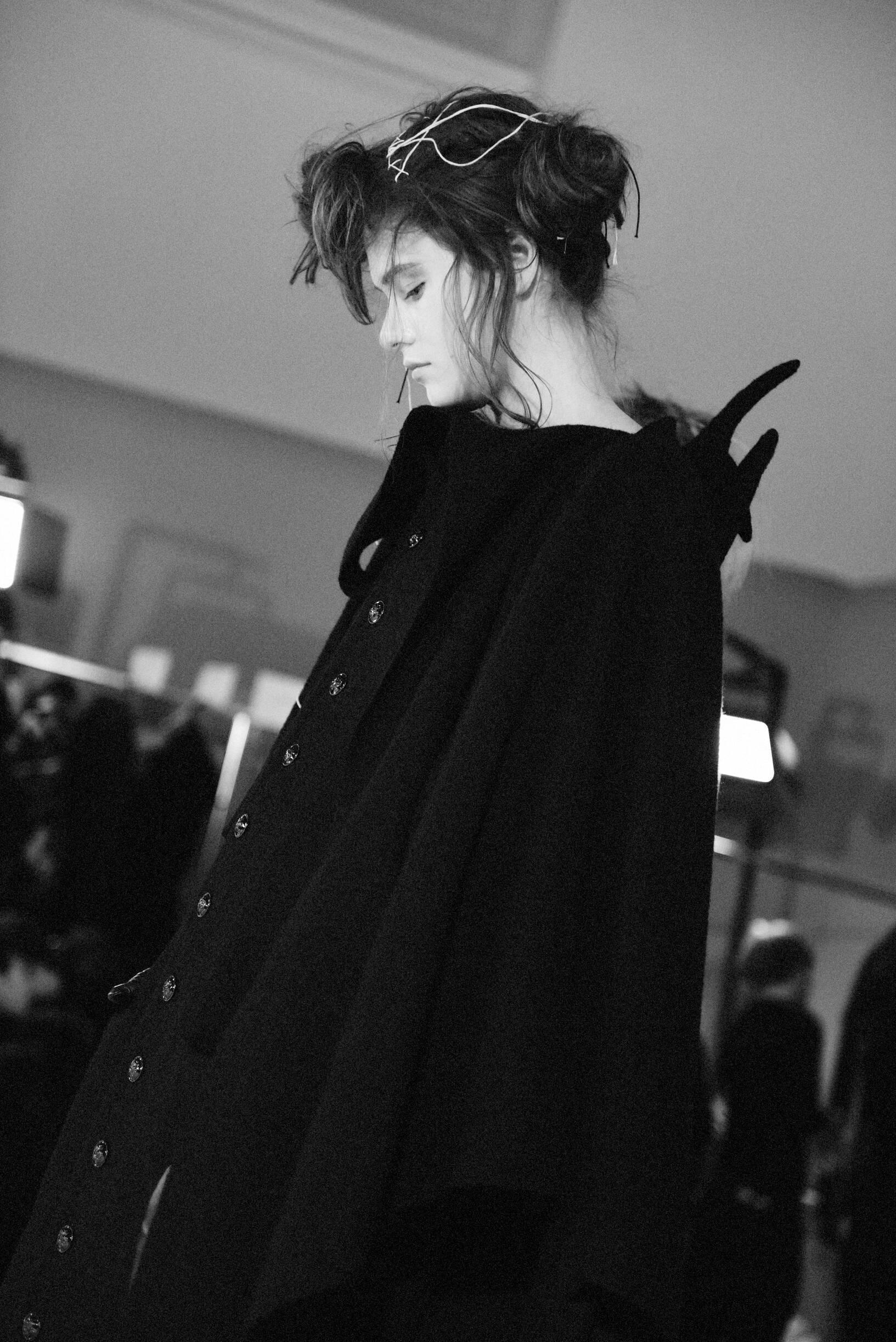 Model 2019-20 Backstage Yohji Yamamoto