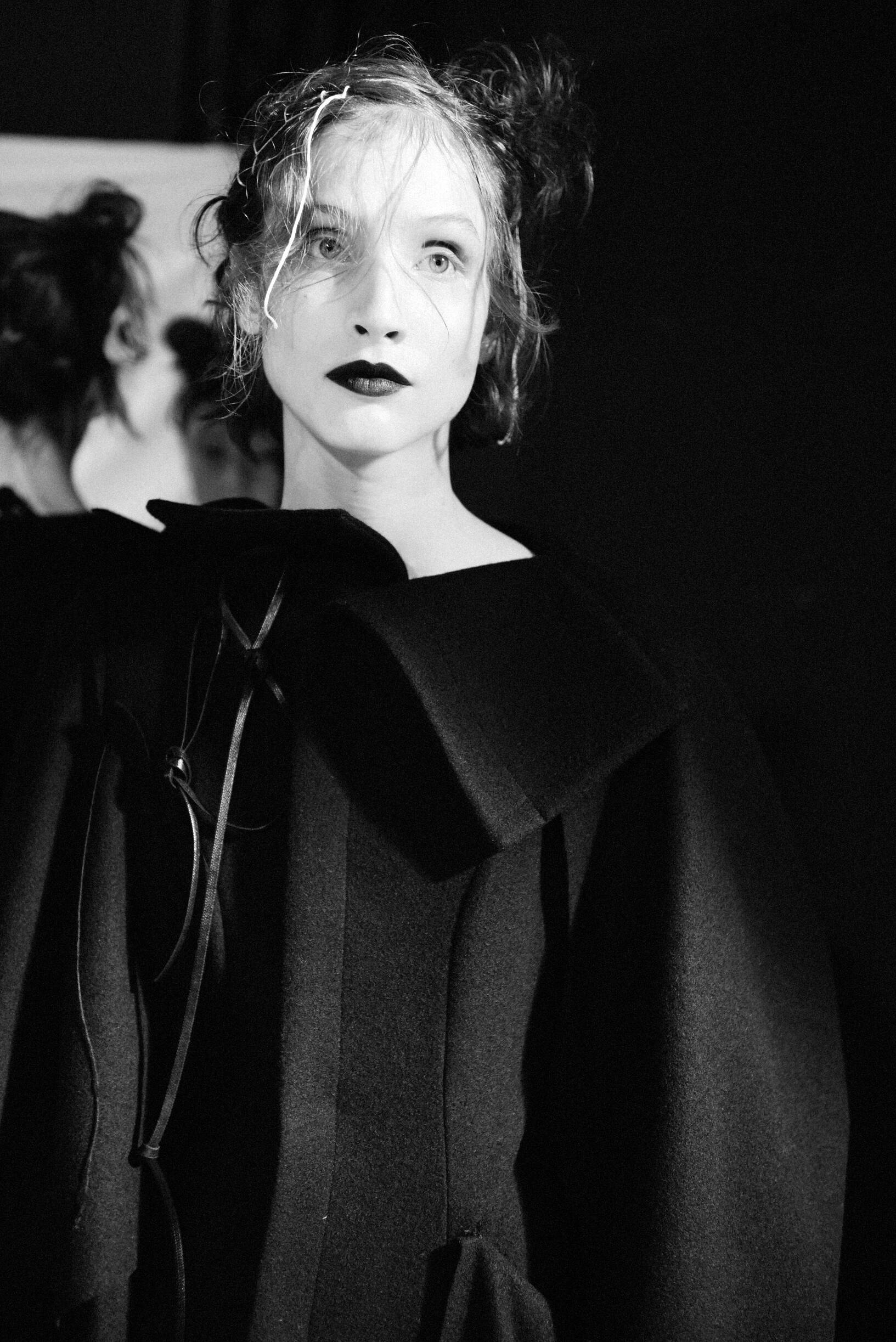 Model 2019 Fashion Backstage Yohji Yamamoto