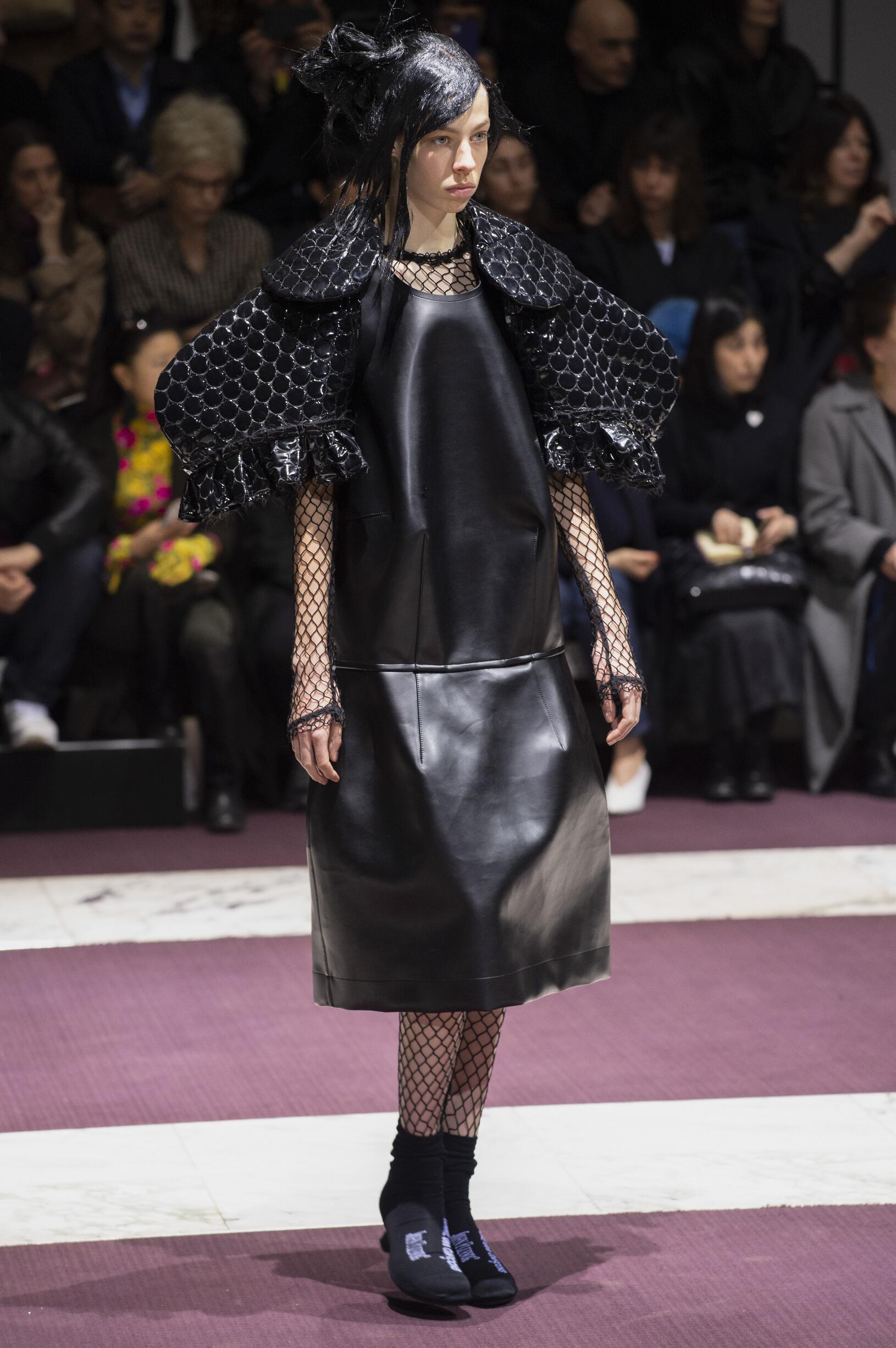 Model Fashion Show Comme des Garçons