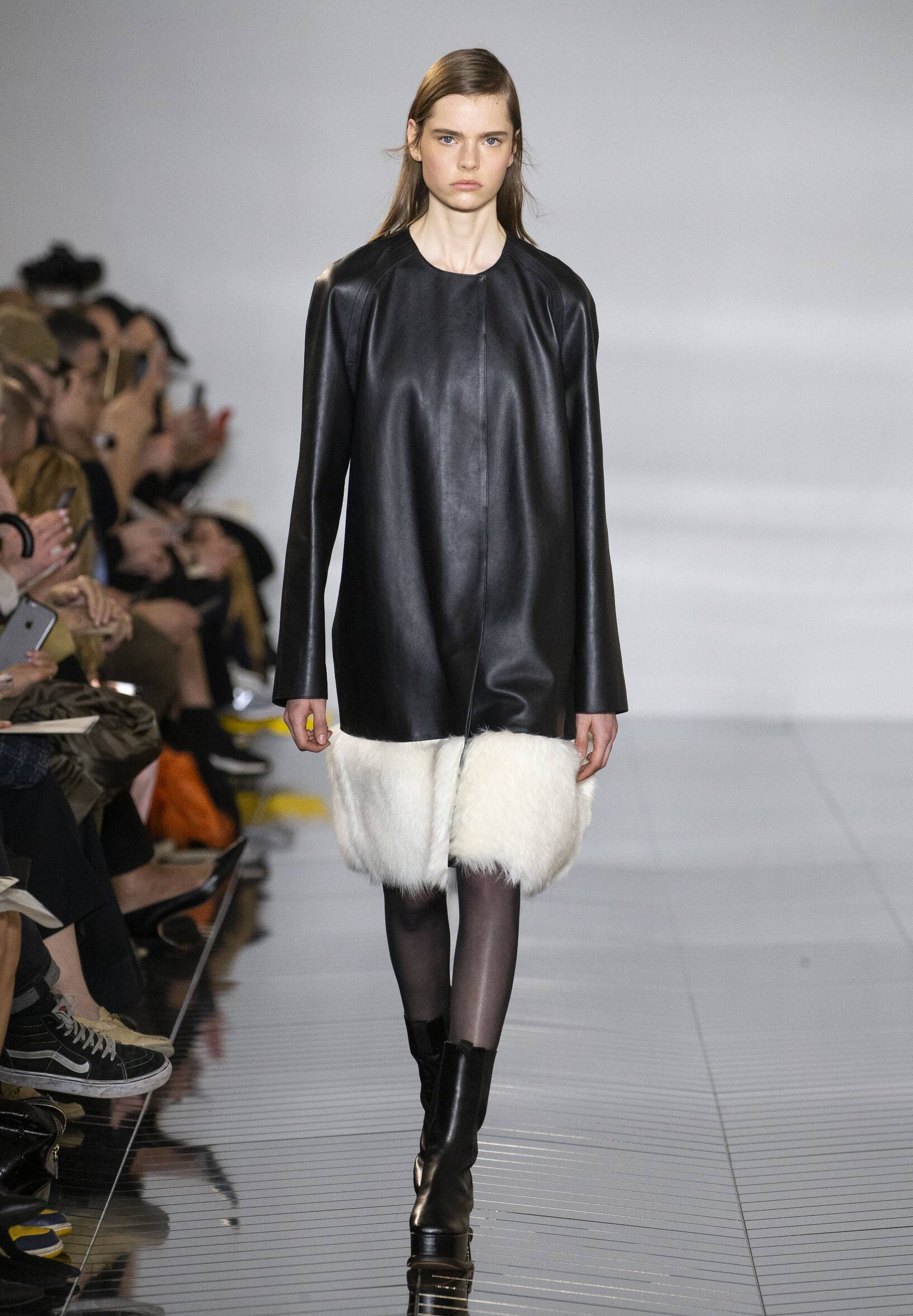 Model Fashion Show Loewe