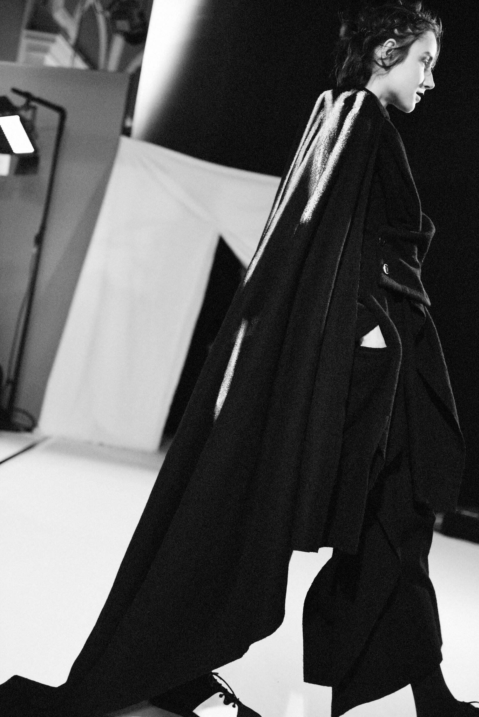 Model Woman Backstage Yohji Yamamoto