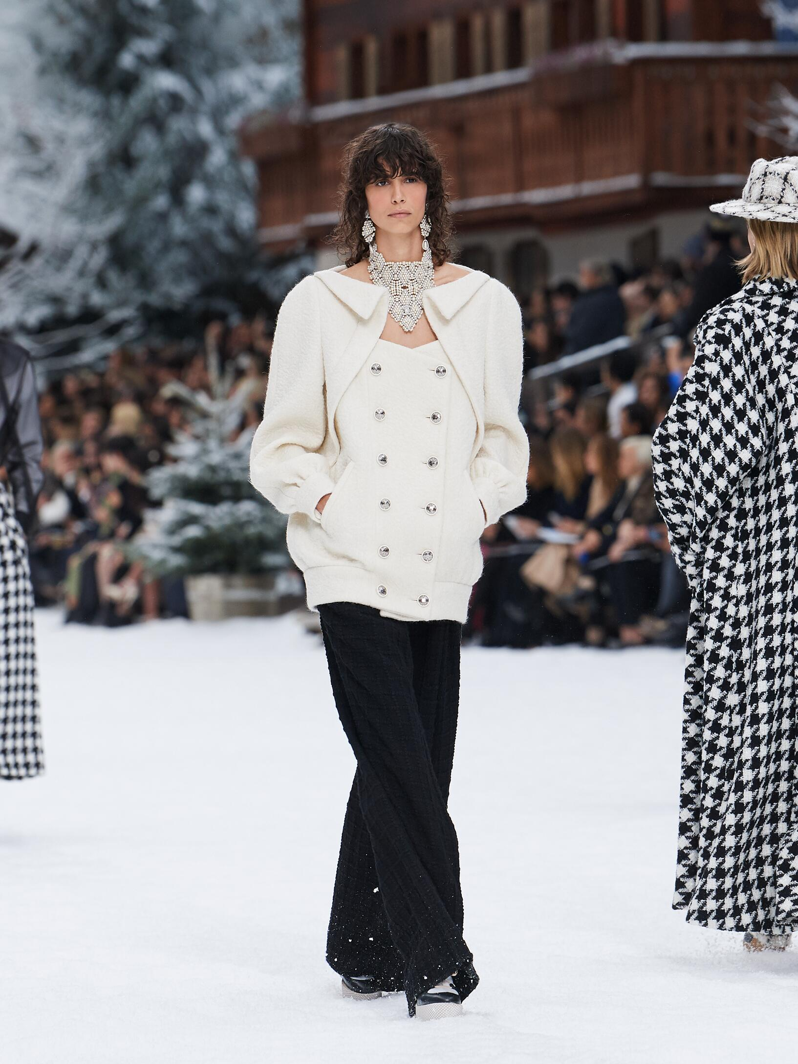 Runway Chanel Fall Winter 2019 Collection Paris Fashion Week