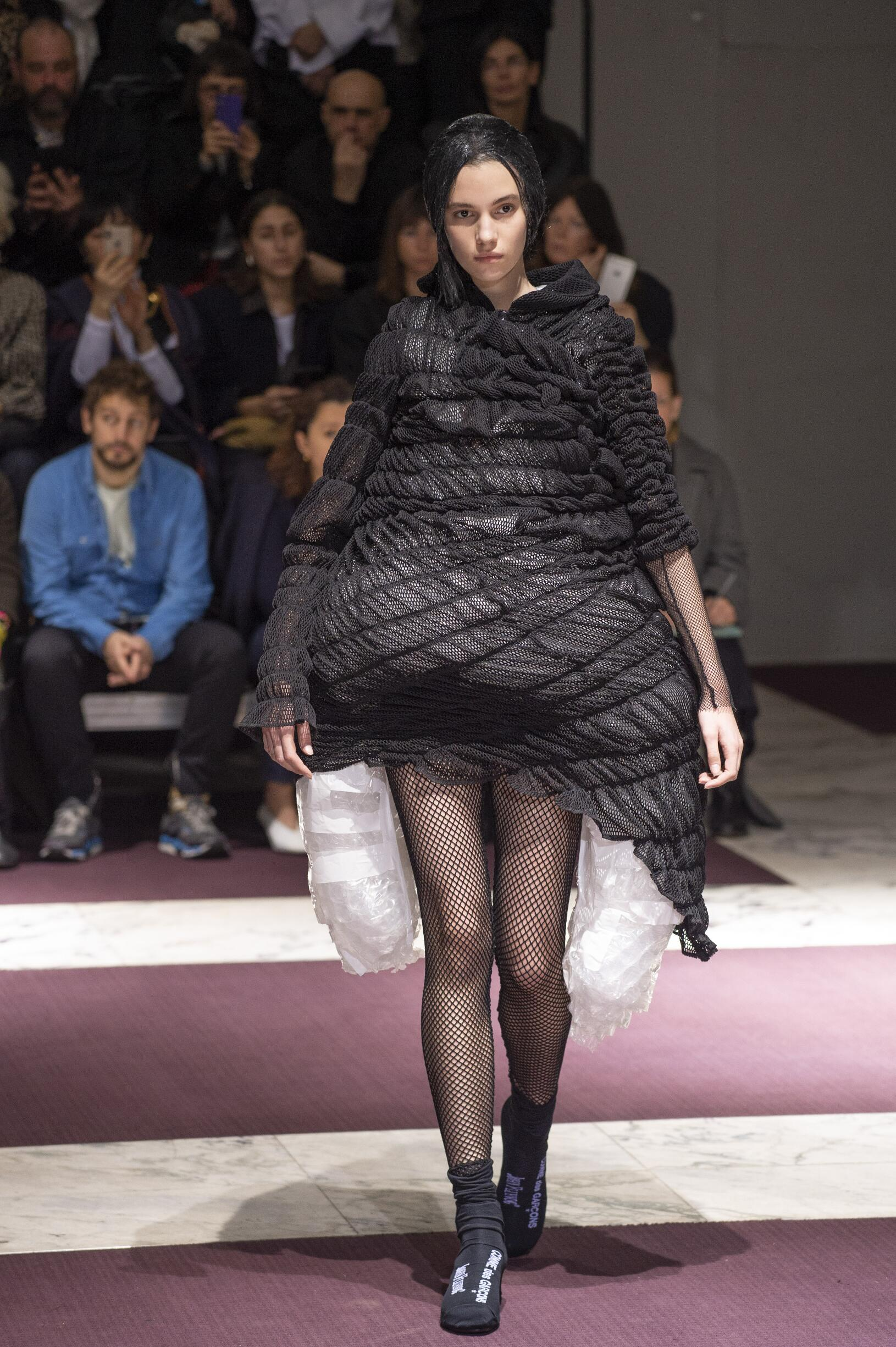 Runway Comme des Garçons Fall Winter 2019 Collection Paris Fashion Week