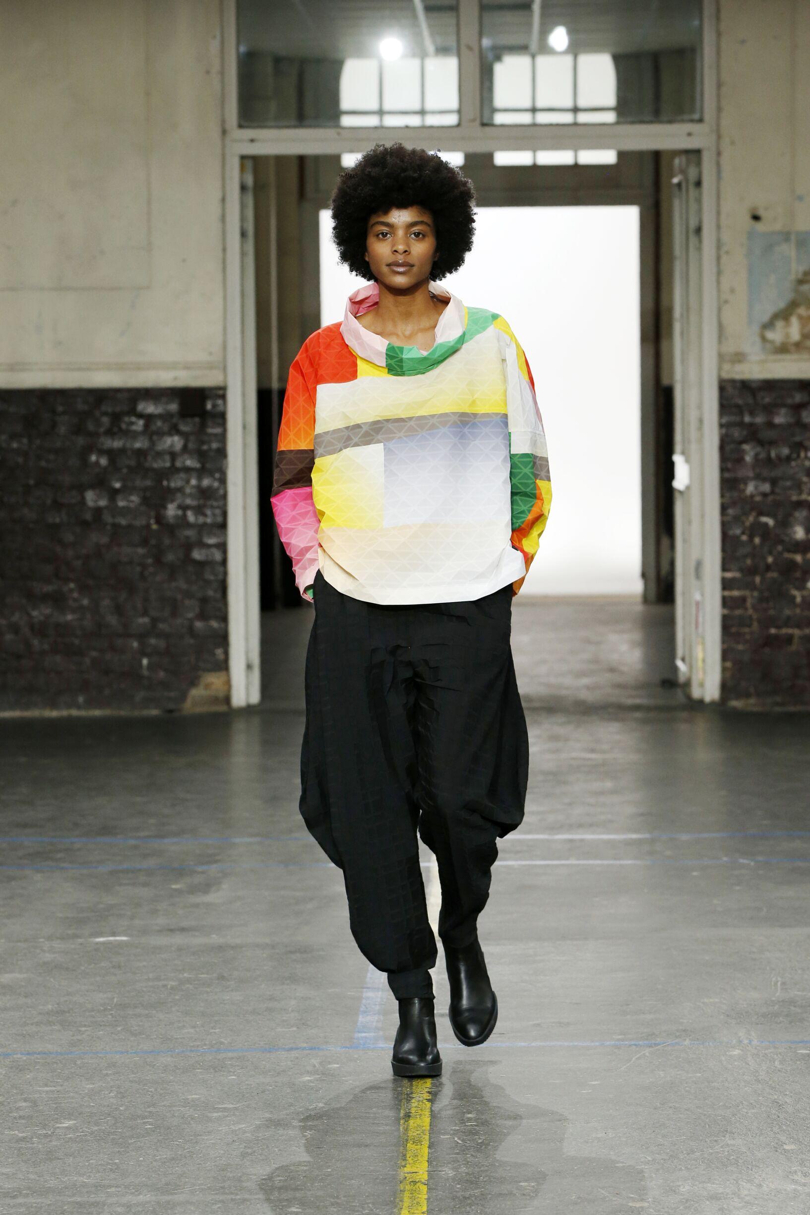 Runway Issey Miyake Fall Winter 2019 Collection Paris Fashion Week