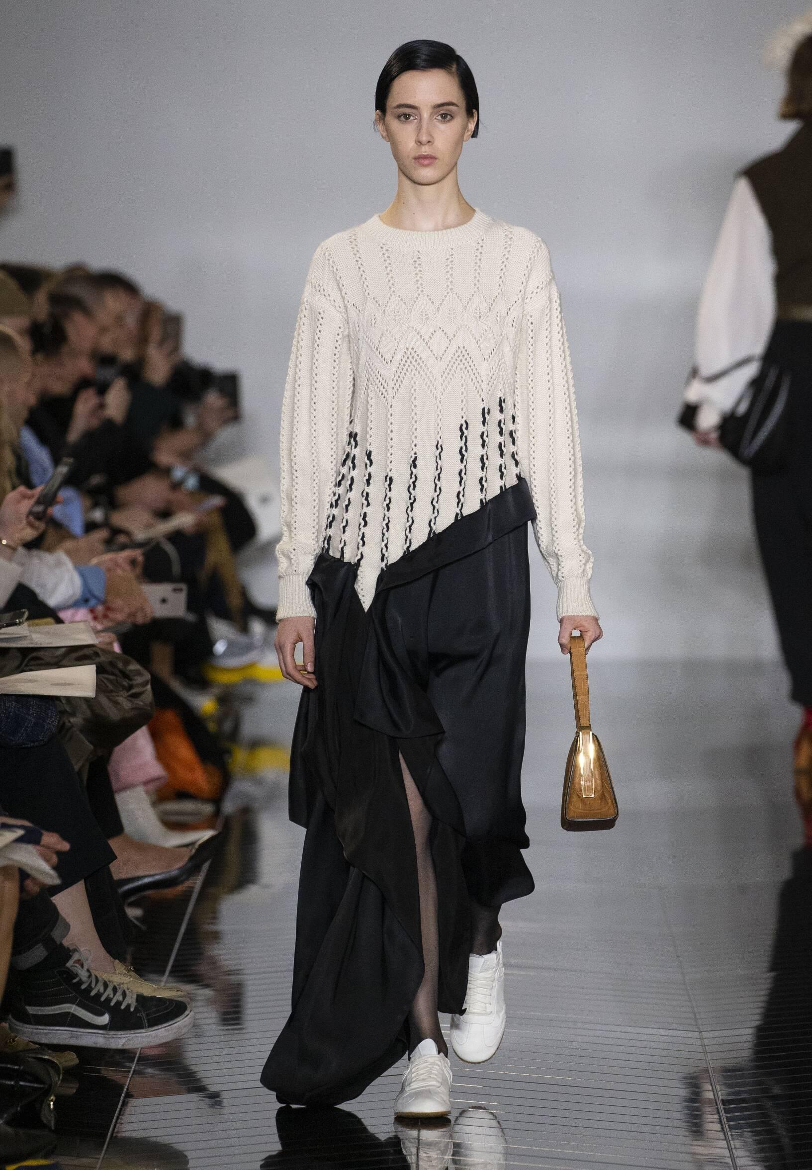 Runway Loewe Fall Winter 2019 Collection Paris Fashion Week