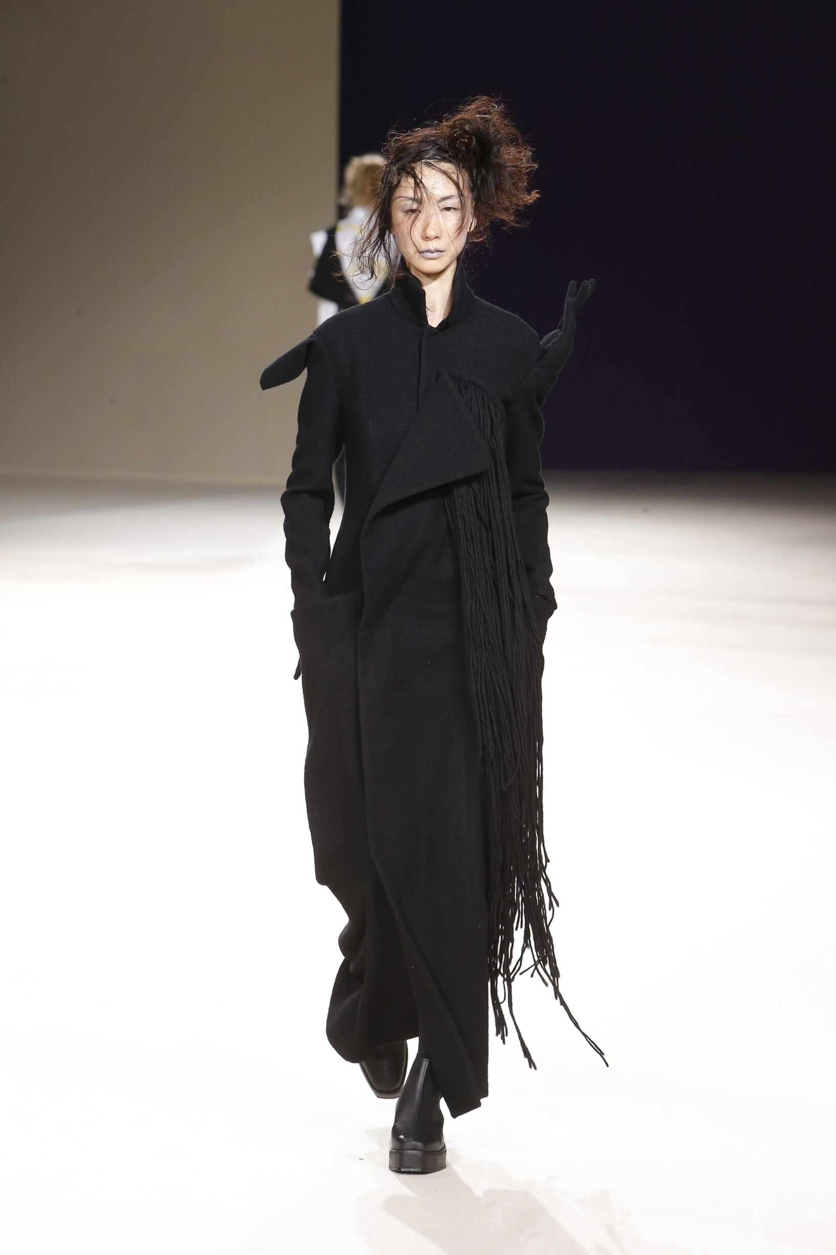 Runway Yohji Yamamoto Fall Winter 2019 Collection Paris Fashion Week