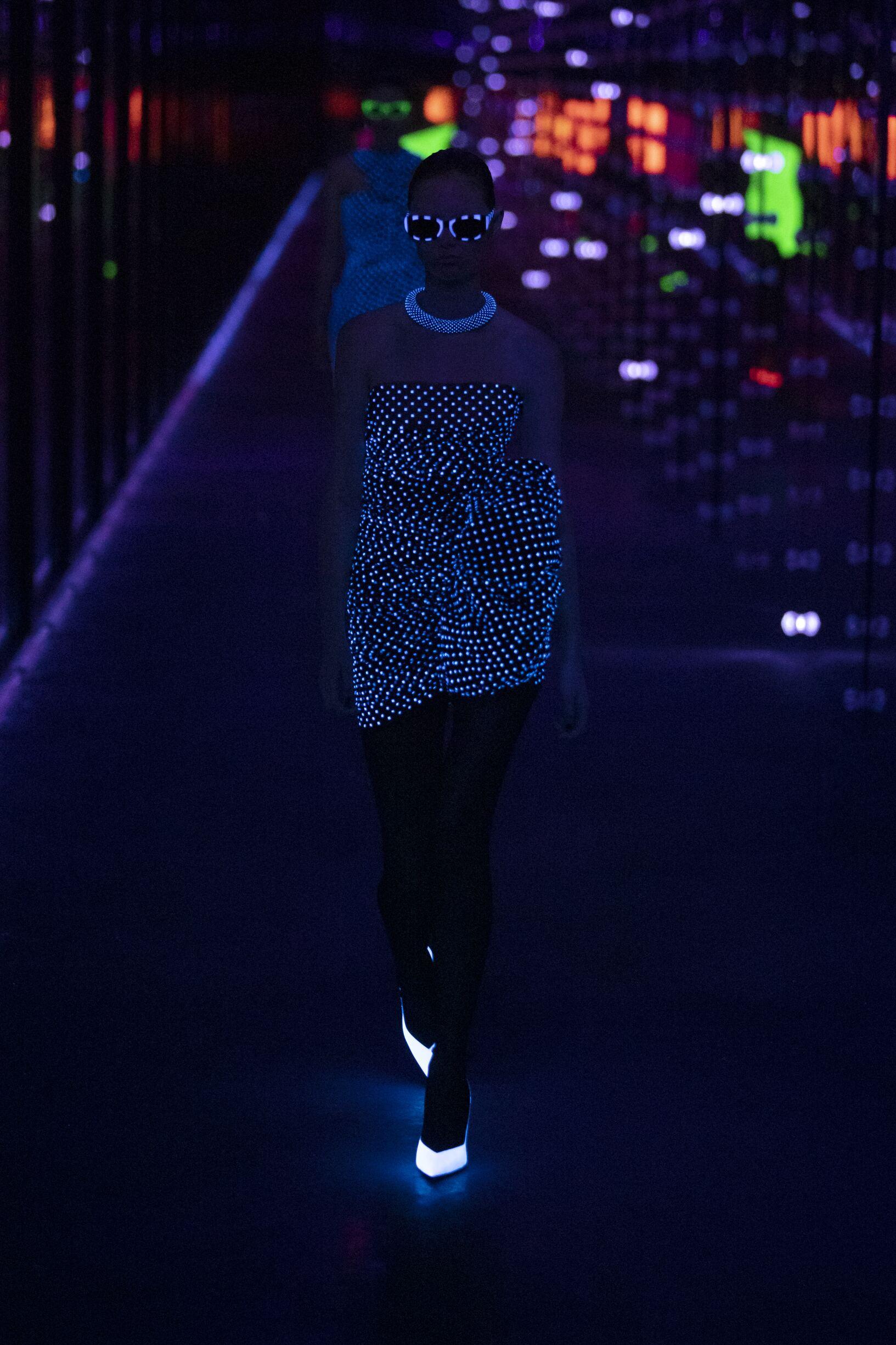 Saint Laurent Woman 2019 20 Paris Trends