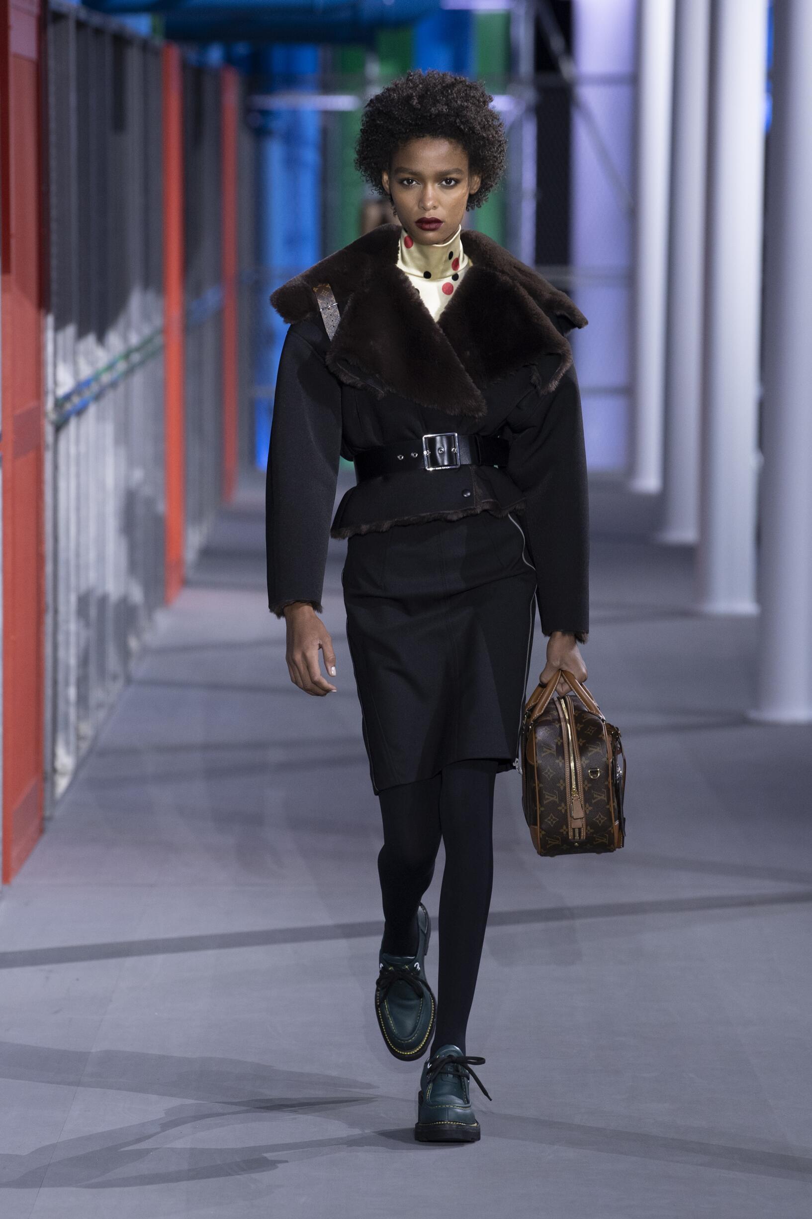 Woman FW 2019 Louis Vuitton Show Paris Fashion Week