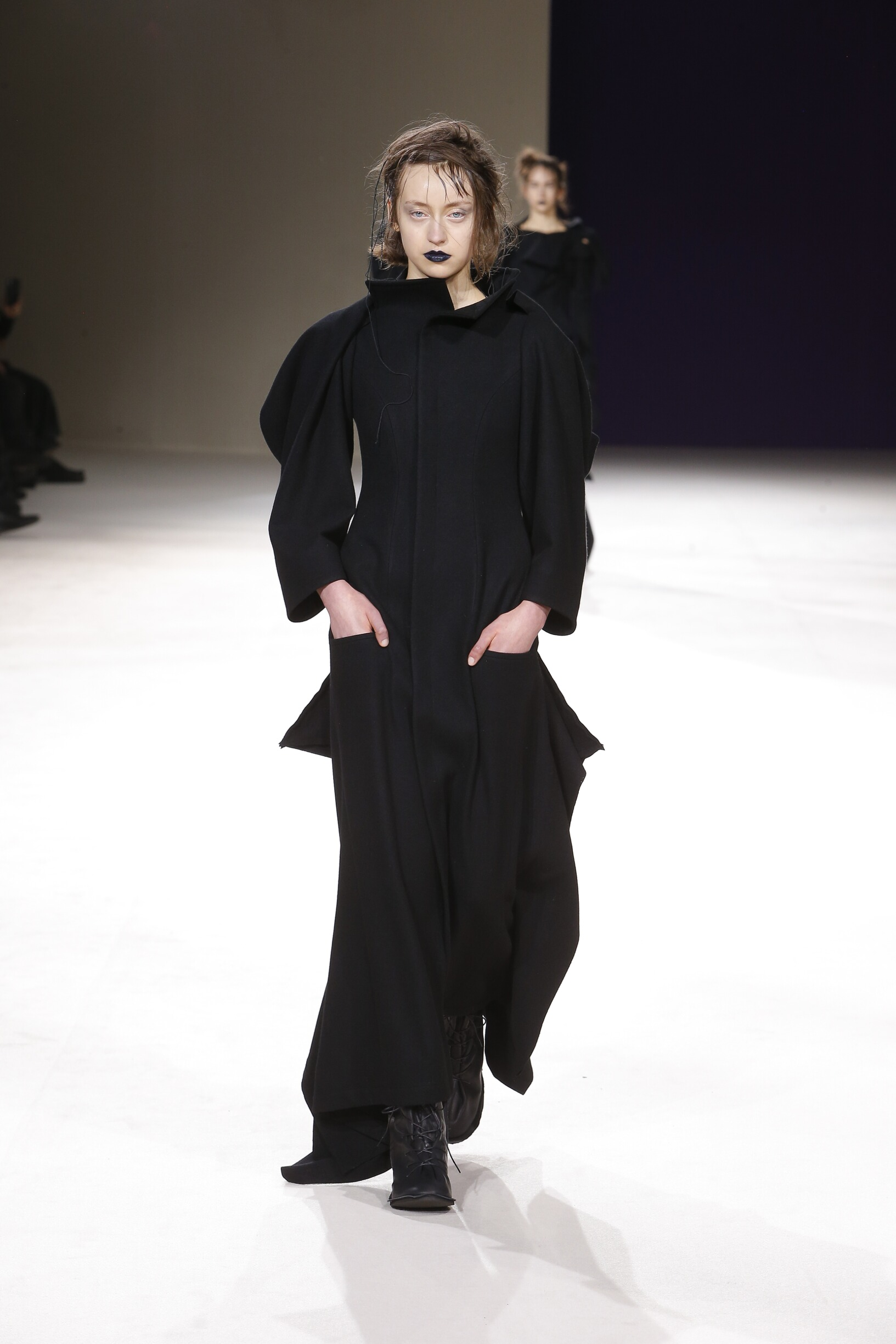 Yohji Yamamoto Womenswear Fashion Show