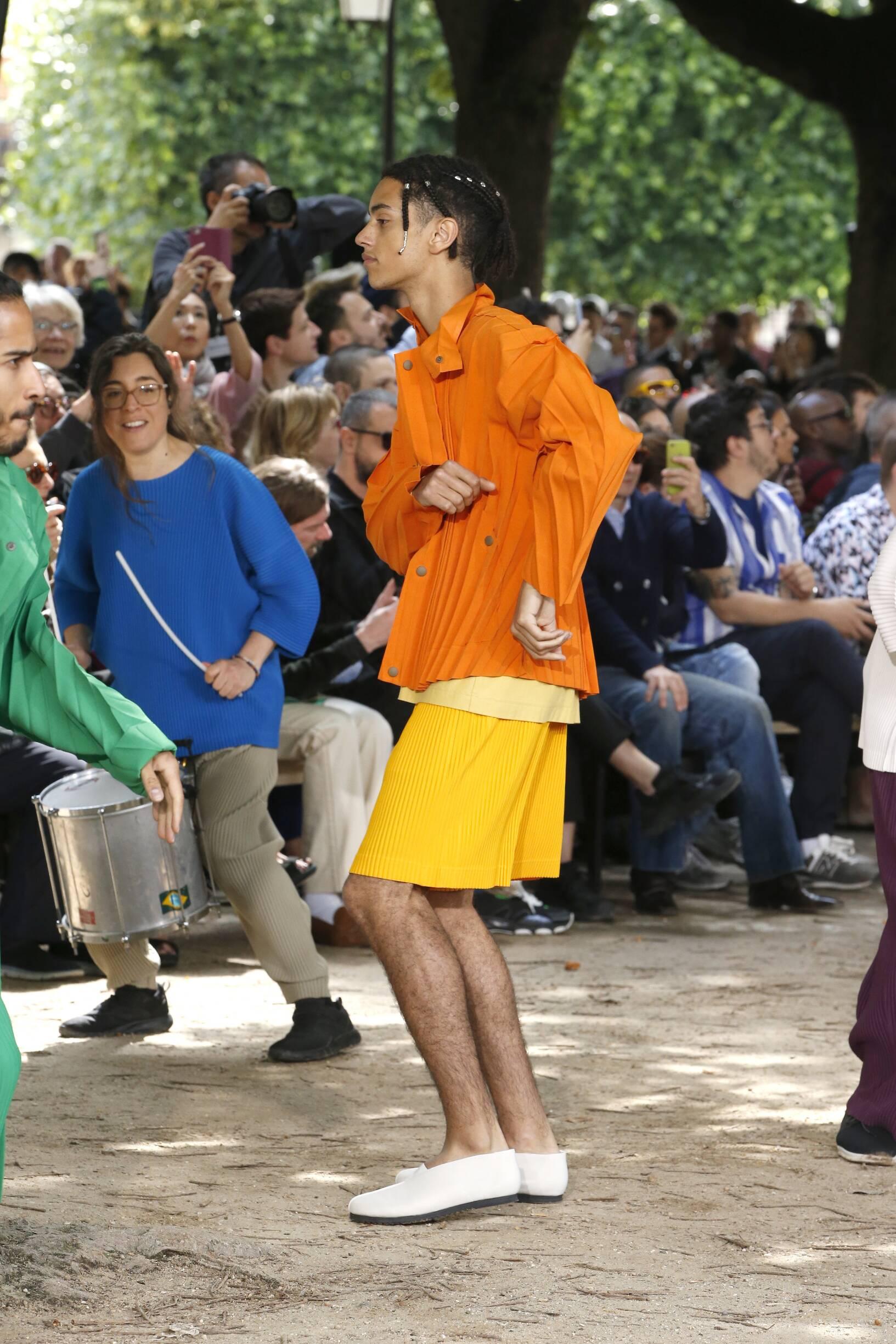 2020 Catwalk Issey Miyake Fashion Show Summer