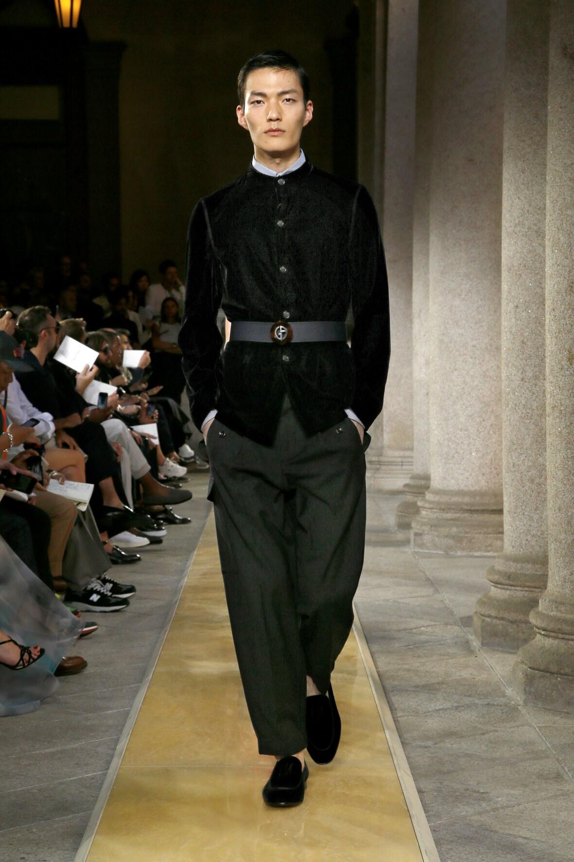 2020 Giorgio Armani Trends Milan Fashion Show
