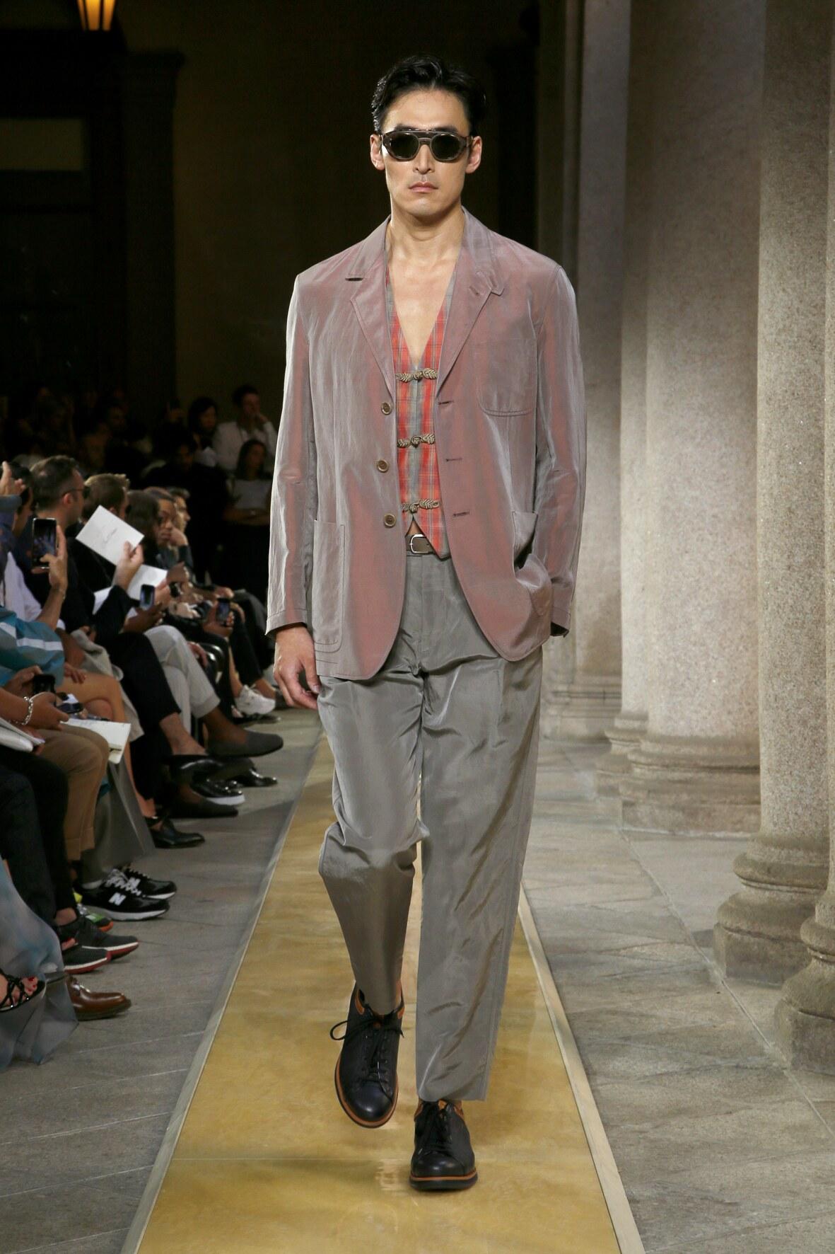 2020 Giorgio Armani Trends Milan Fashion