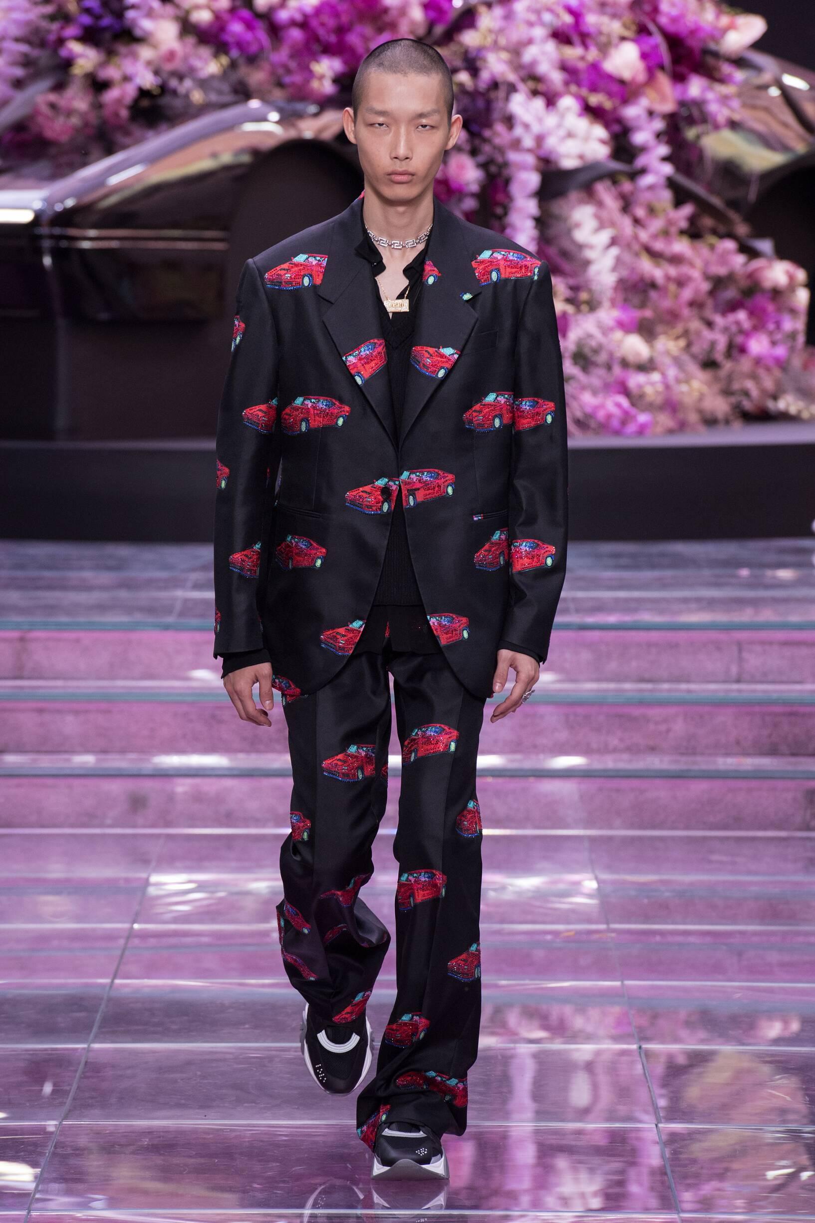 2020 Versace Spring Catwalk