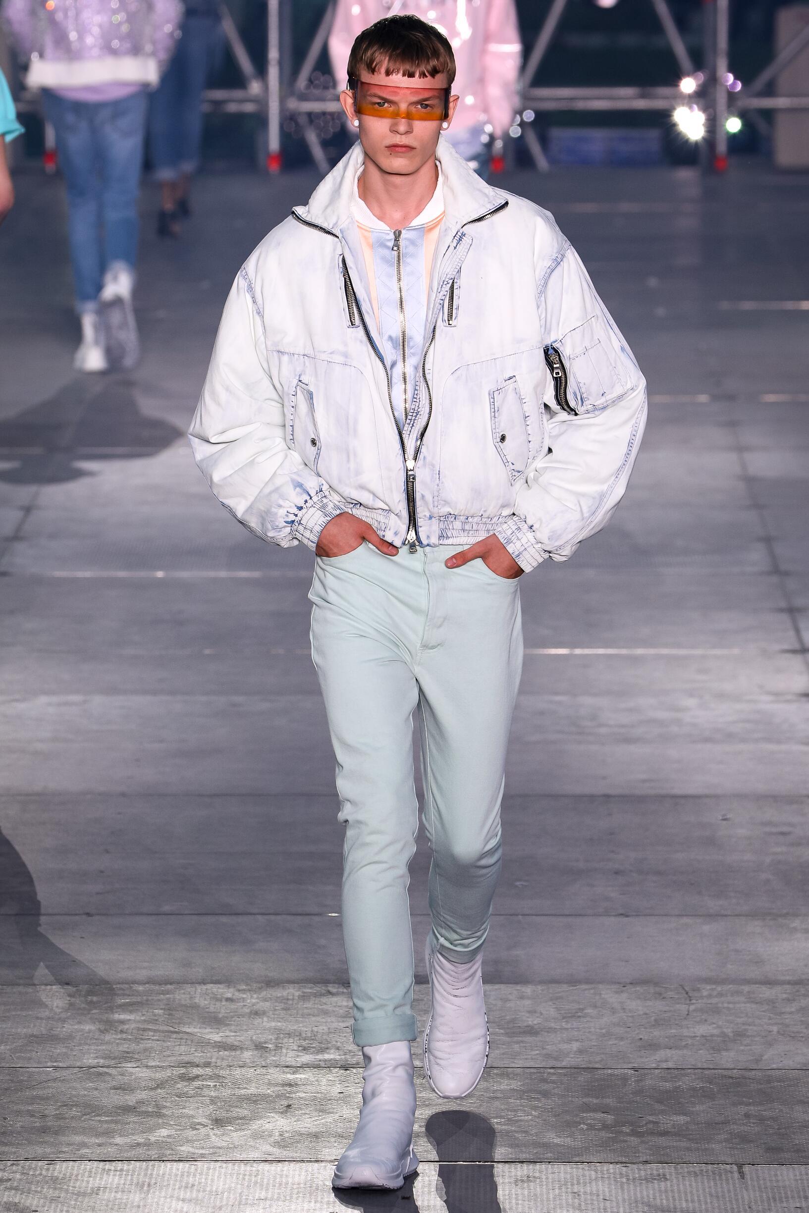 Catwalk Balmain Man Fashion Show Summer 2020