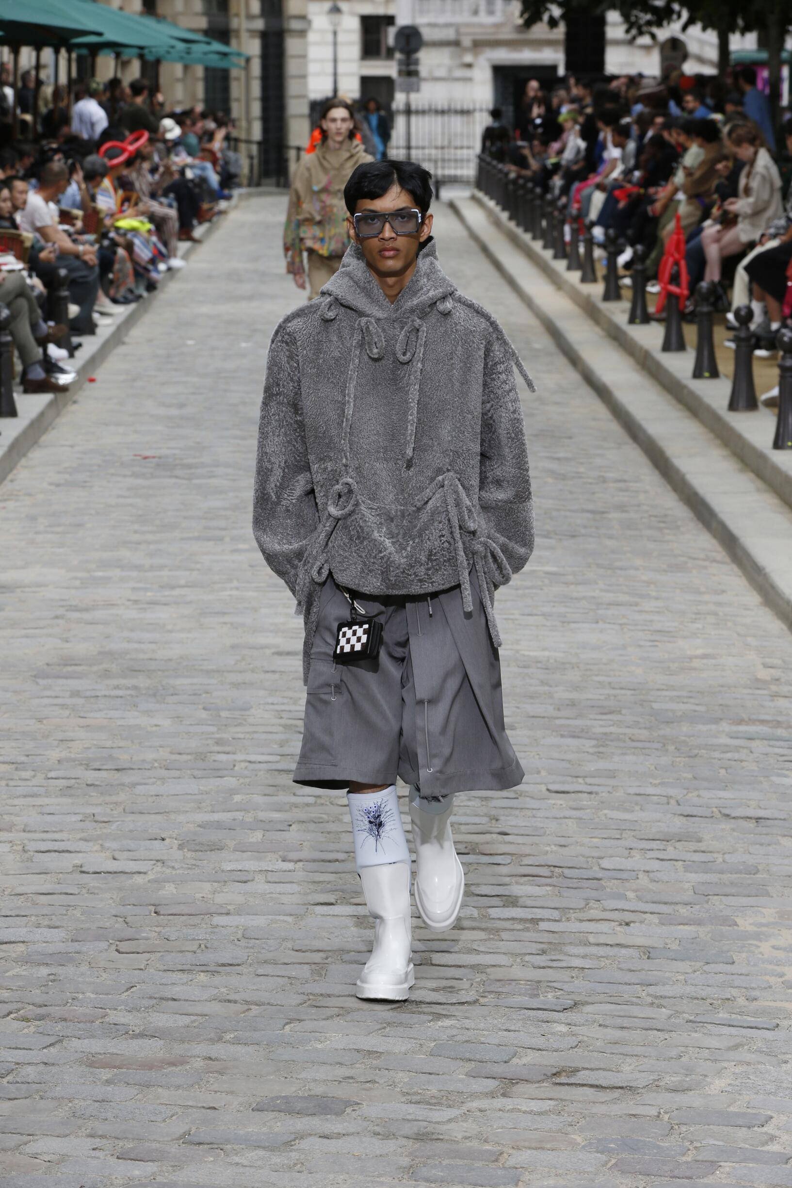 Catwalk Louis Vuitton Man Fashion Show Summer 2020
