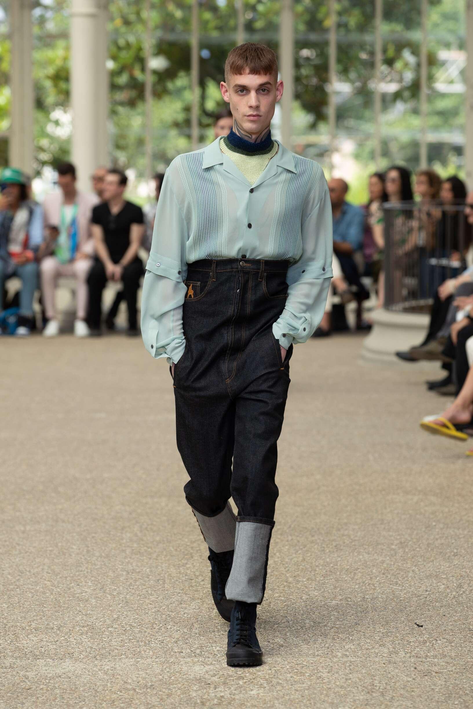 Catwalk Marco De vincenzo Man Fashion Show Summer 2020