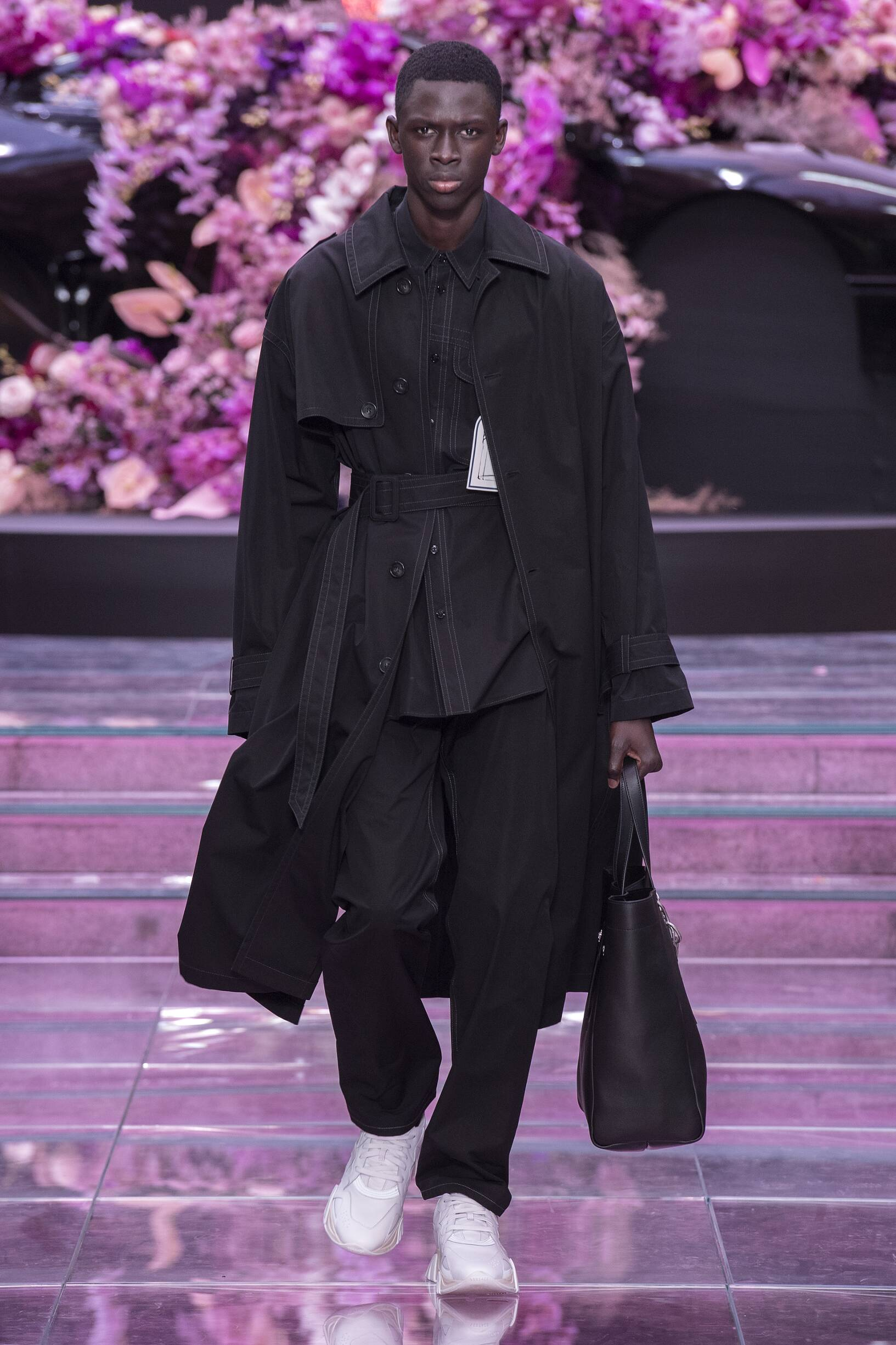 Catwalk Versace Man Fashion Show Summer 2020