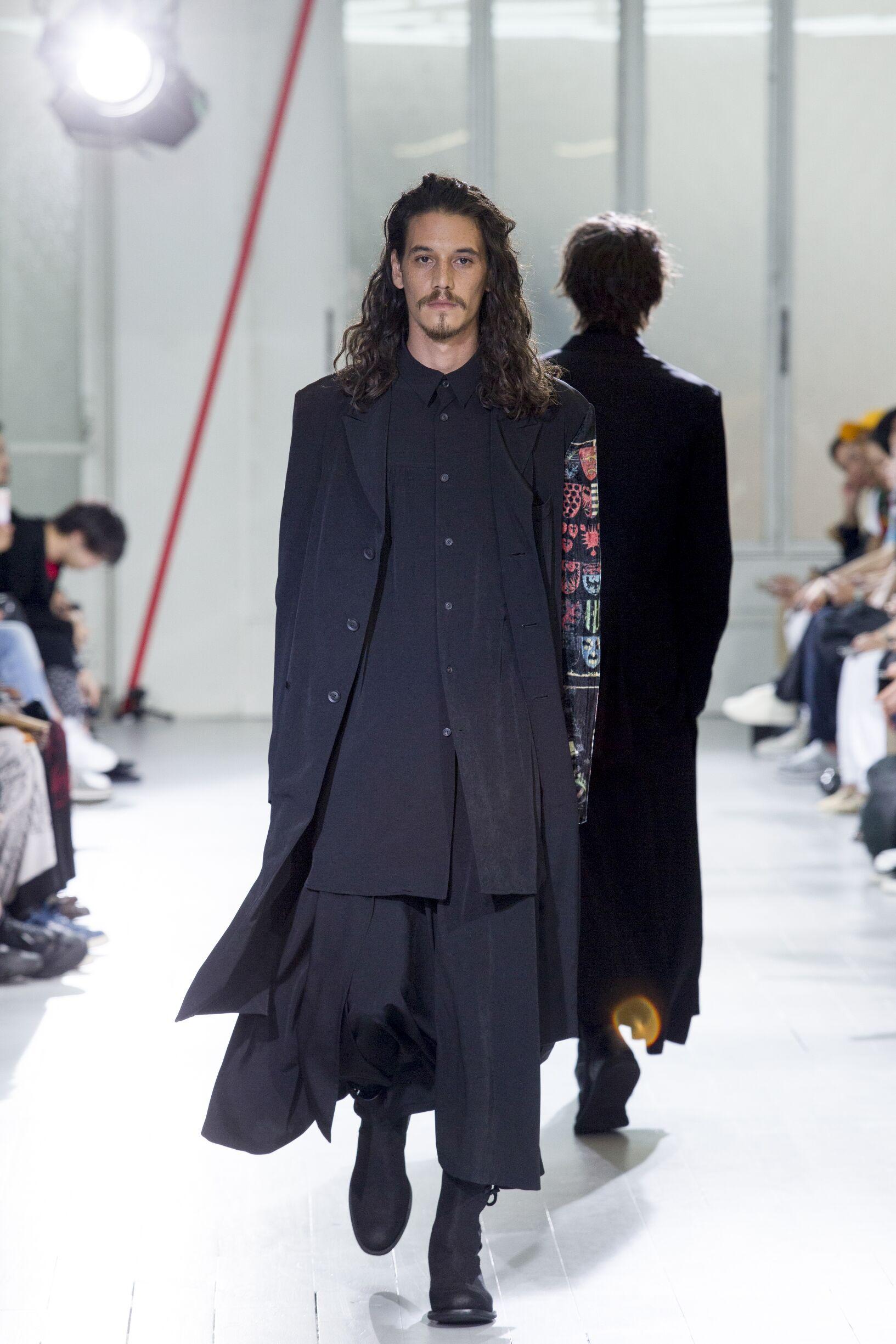 Catwalk Yohji Yamamoto Man Fashion Show Summer 2020