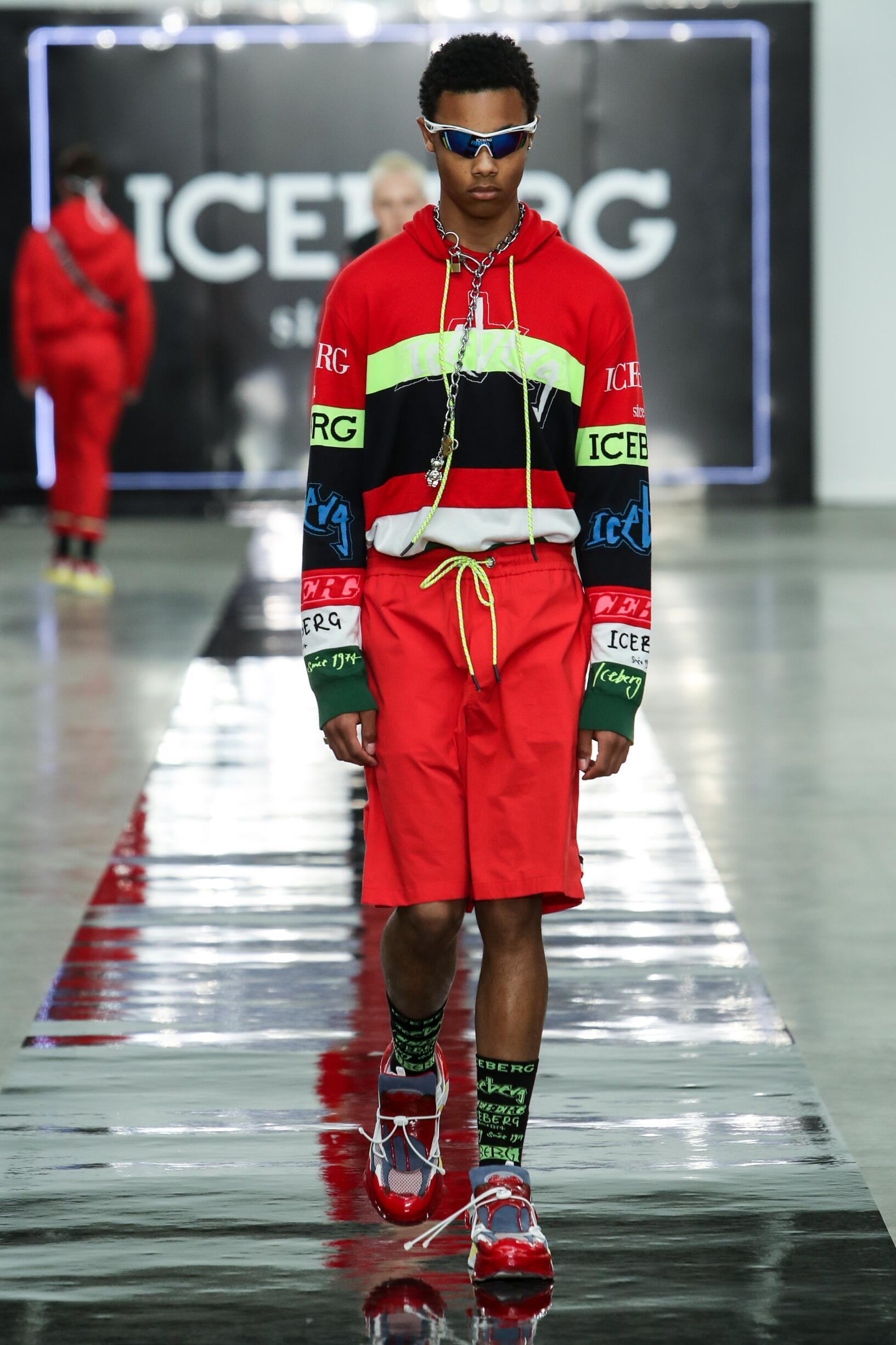 Fashion 2020 Catwalk Iceberg Summer Man Collection