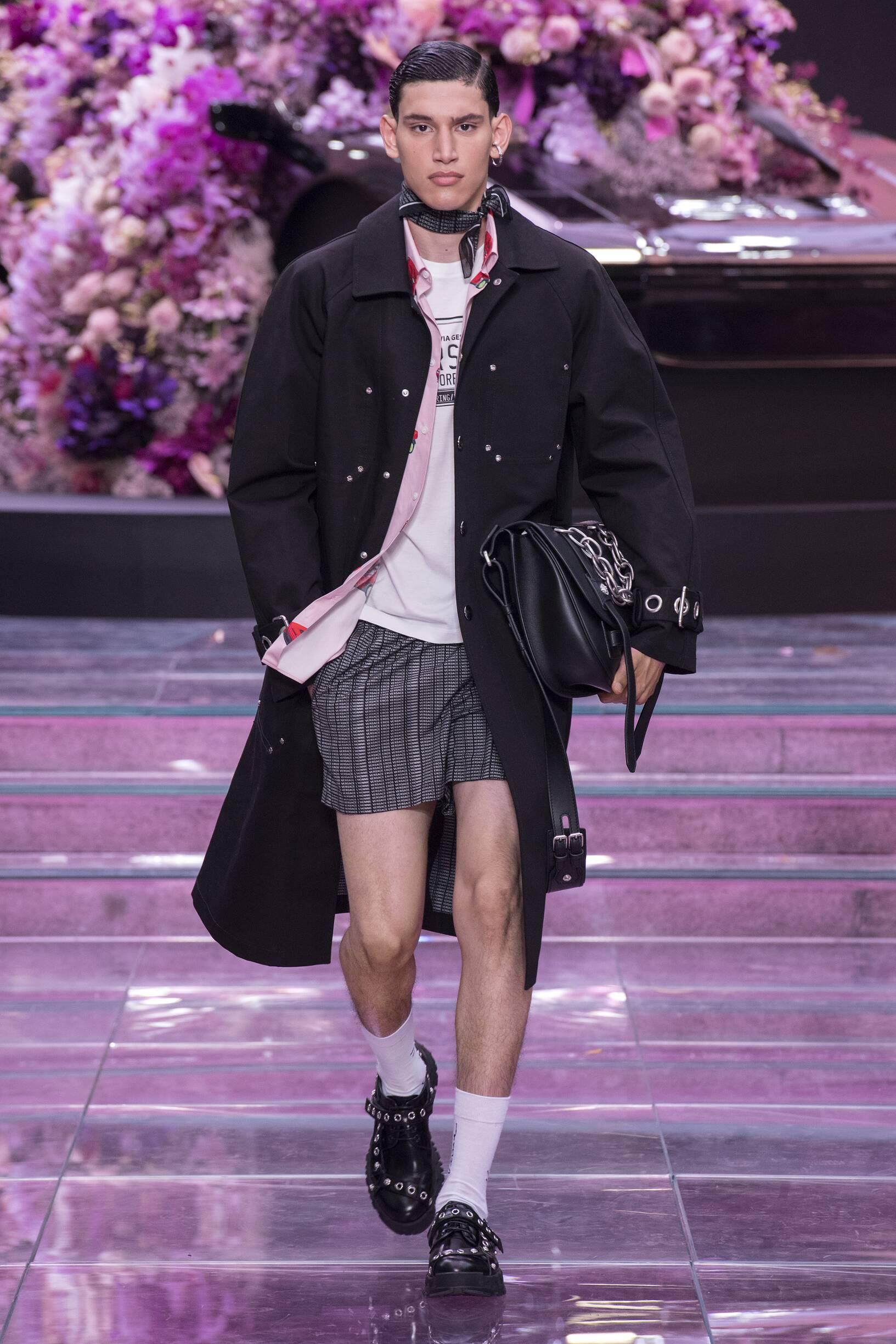 Fashion 2020 Catwalk Versace Summer Man Collection
