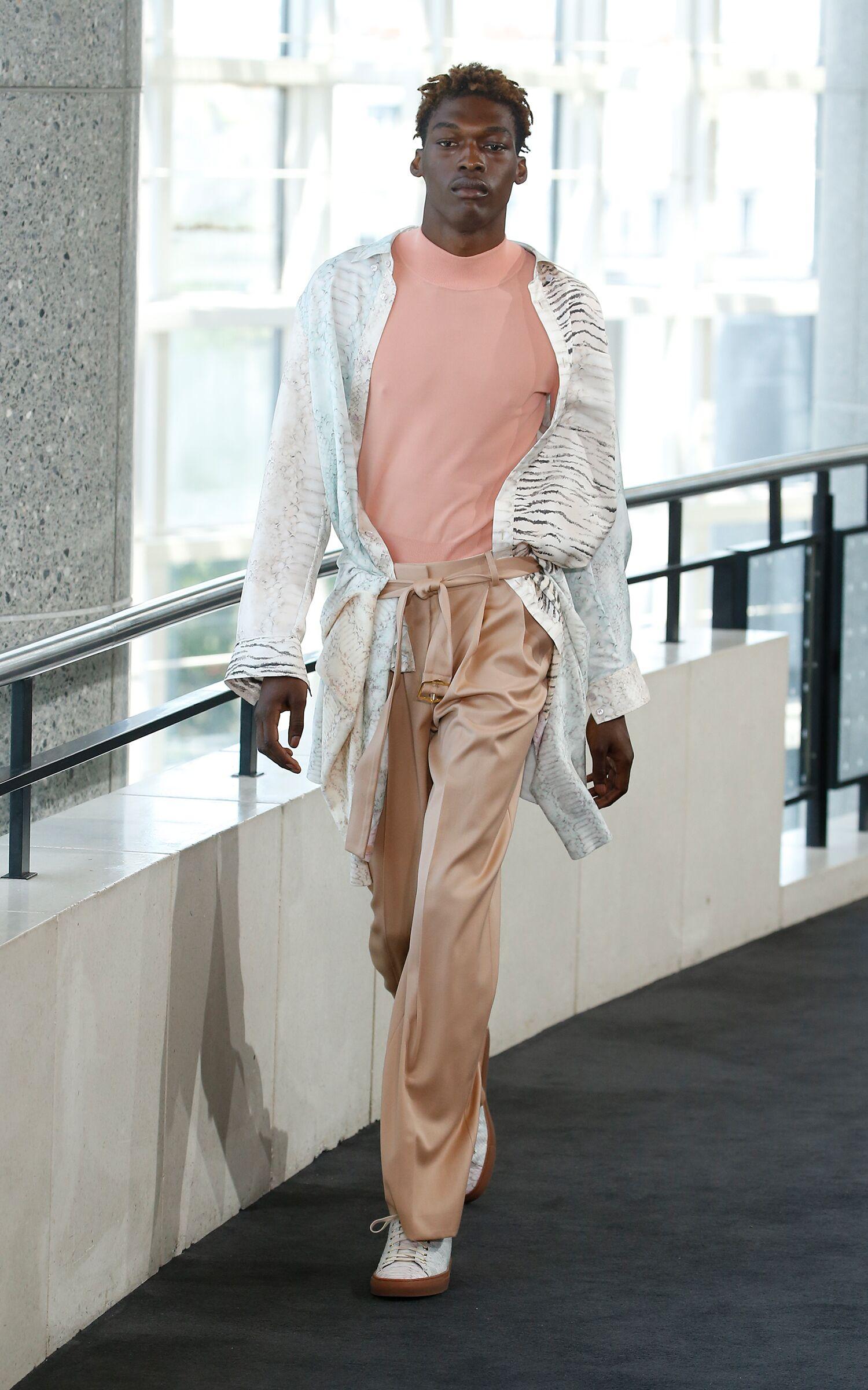 Fashion Model Sies Marjan Catwalk