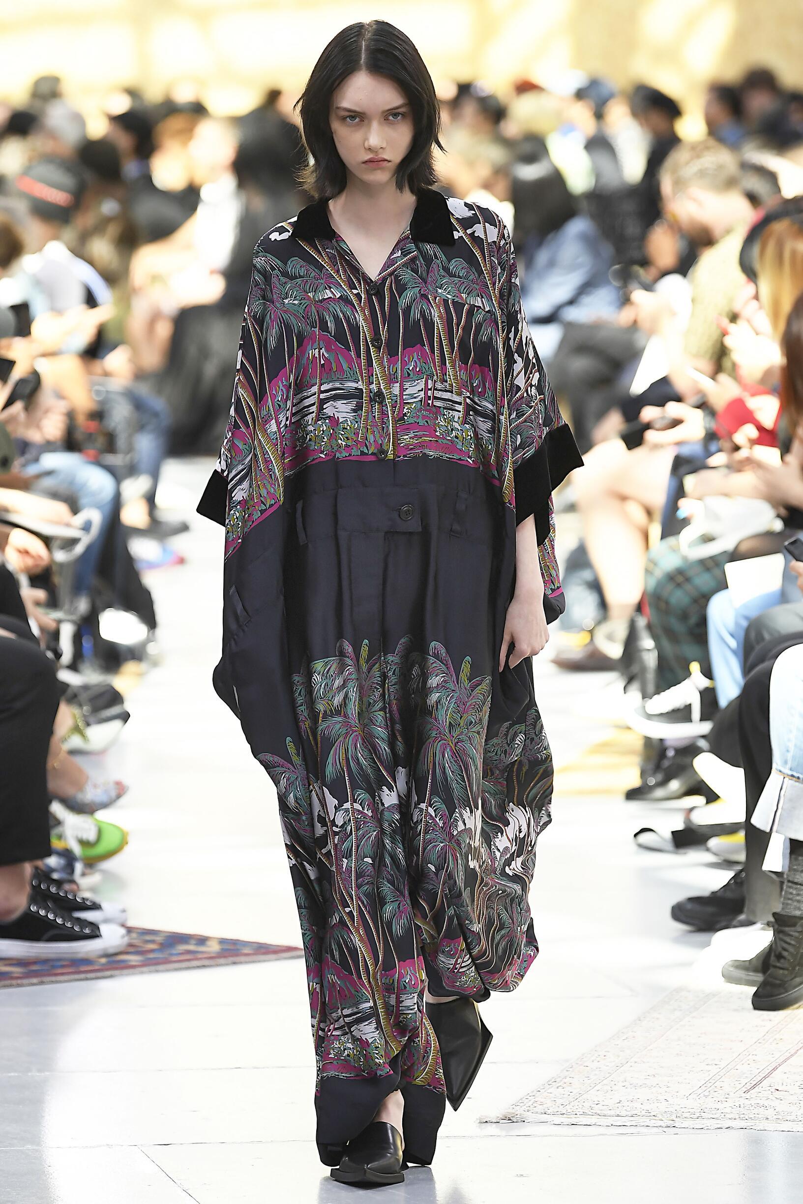 Fashion Week 2020 Catwalk Sacai