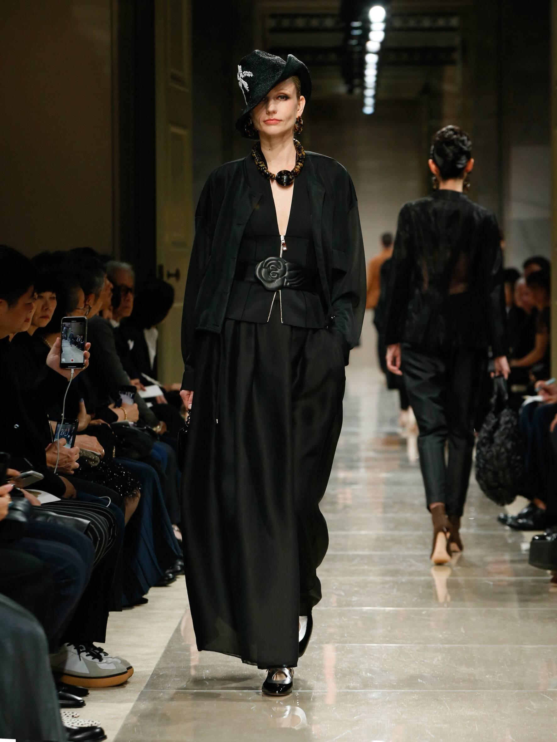 Giorgio Armani Cruise 2020 Collection Look 53 Tokyo