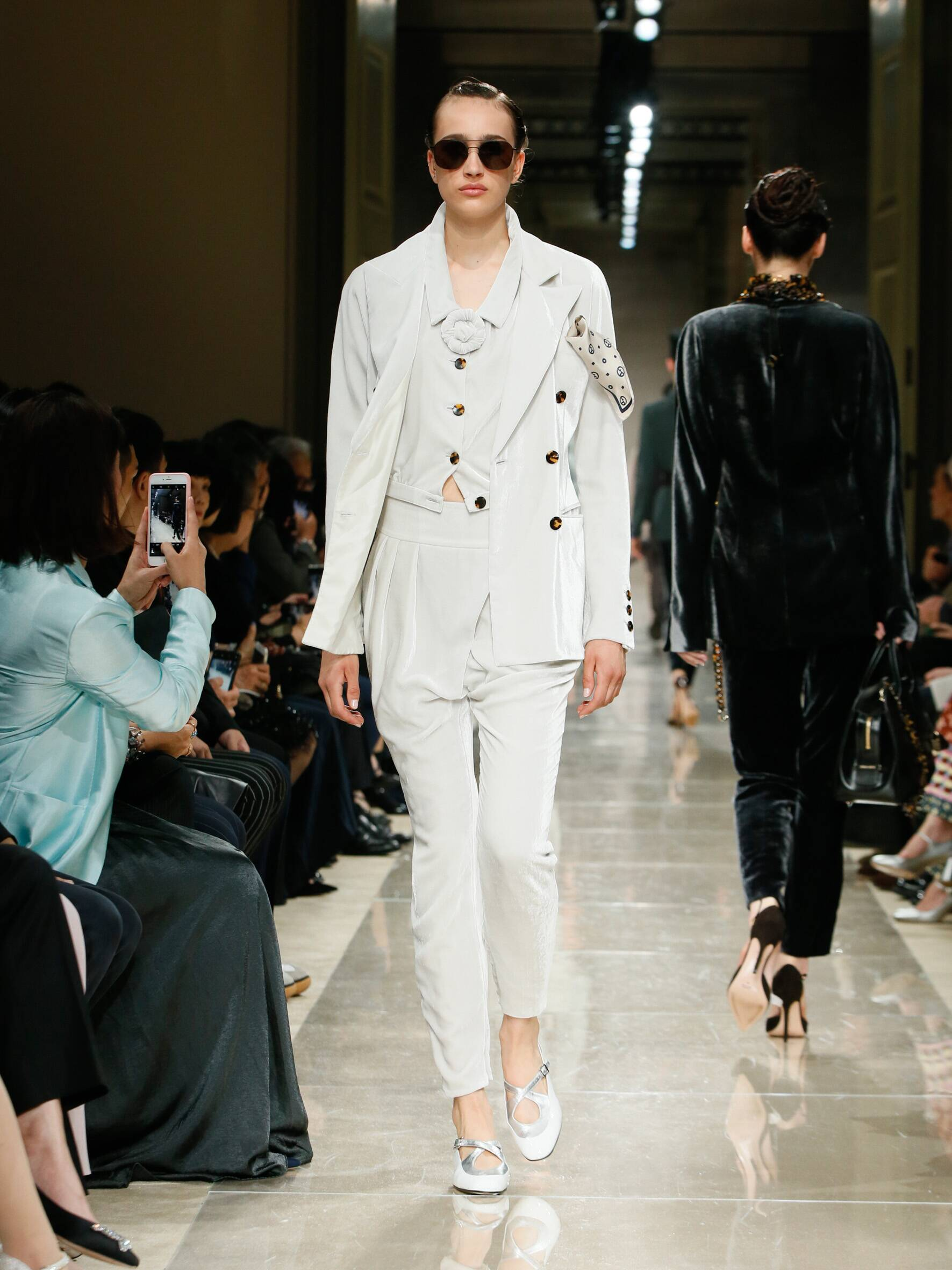 Giorgio Armani Cruise 2020 Collection Look 6 Tokyo