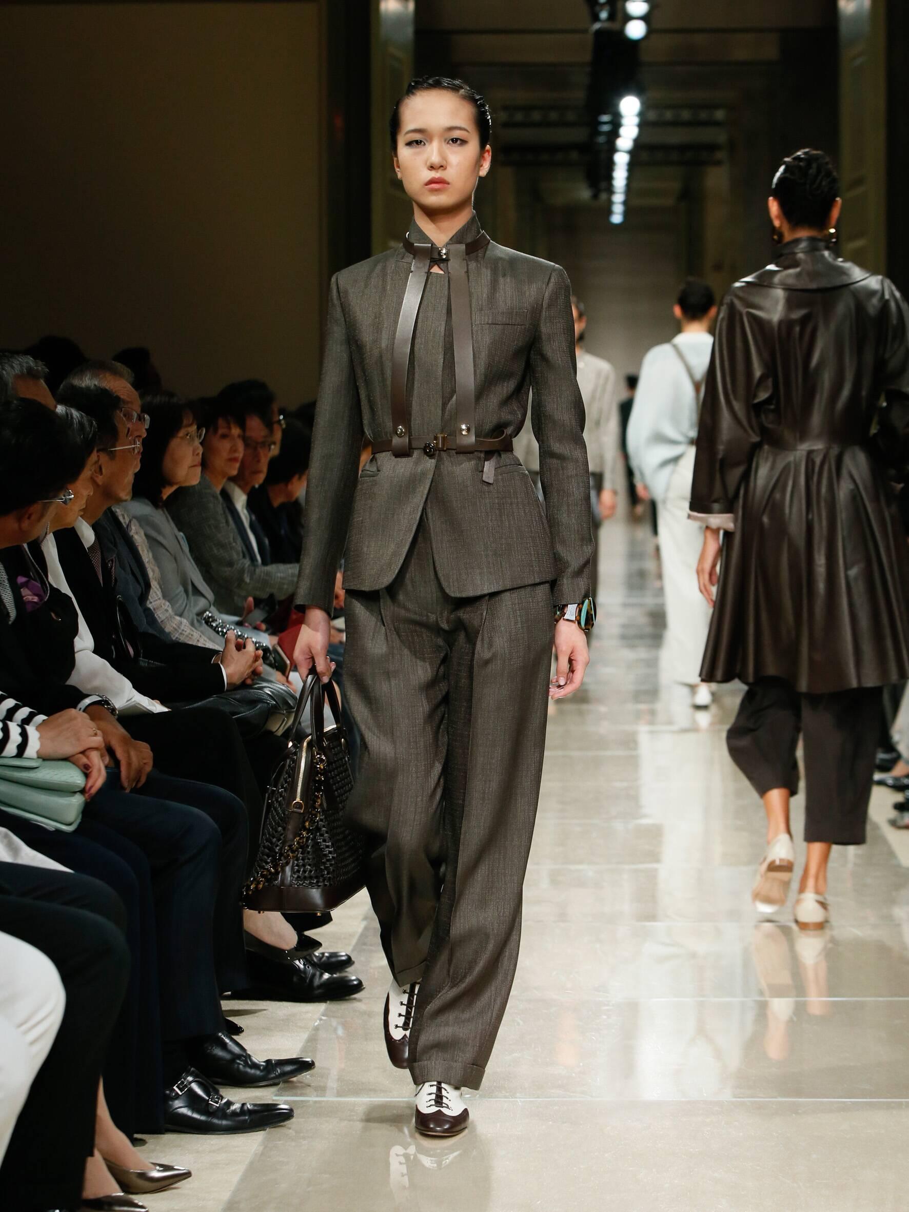 Giorgio Armani Cruise 2020 Collection Look 9 Tokyo
