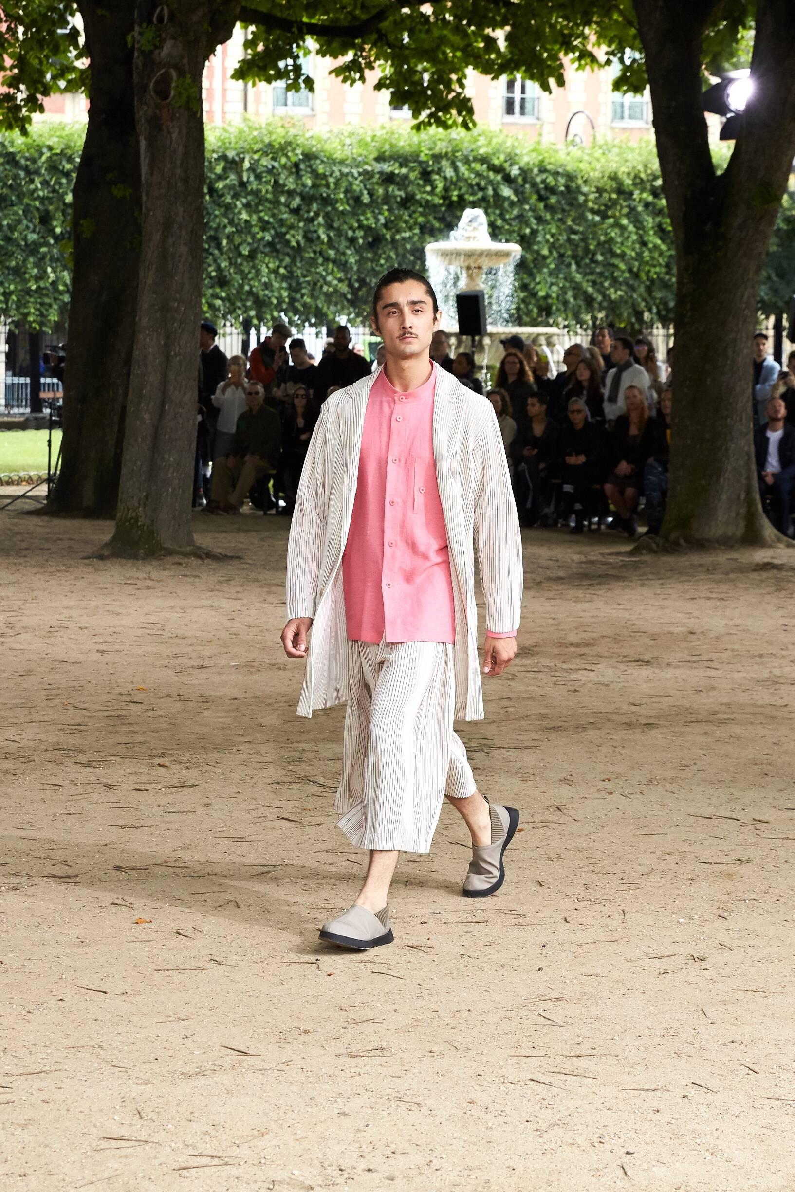 Issey Miyake Spring Summer 2020 Homme Plissé Collection Paris Fashion Week