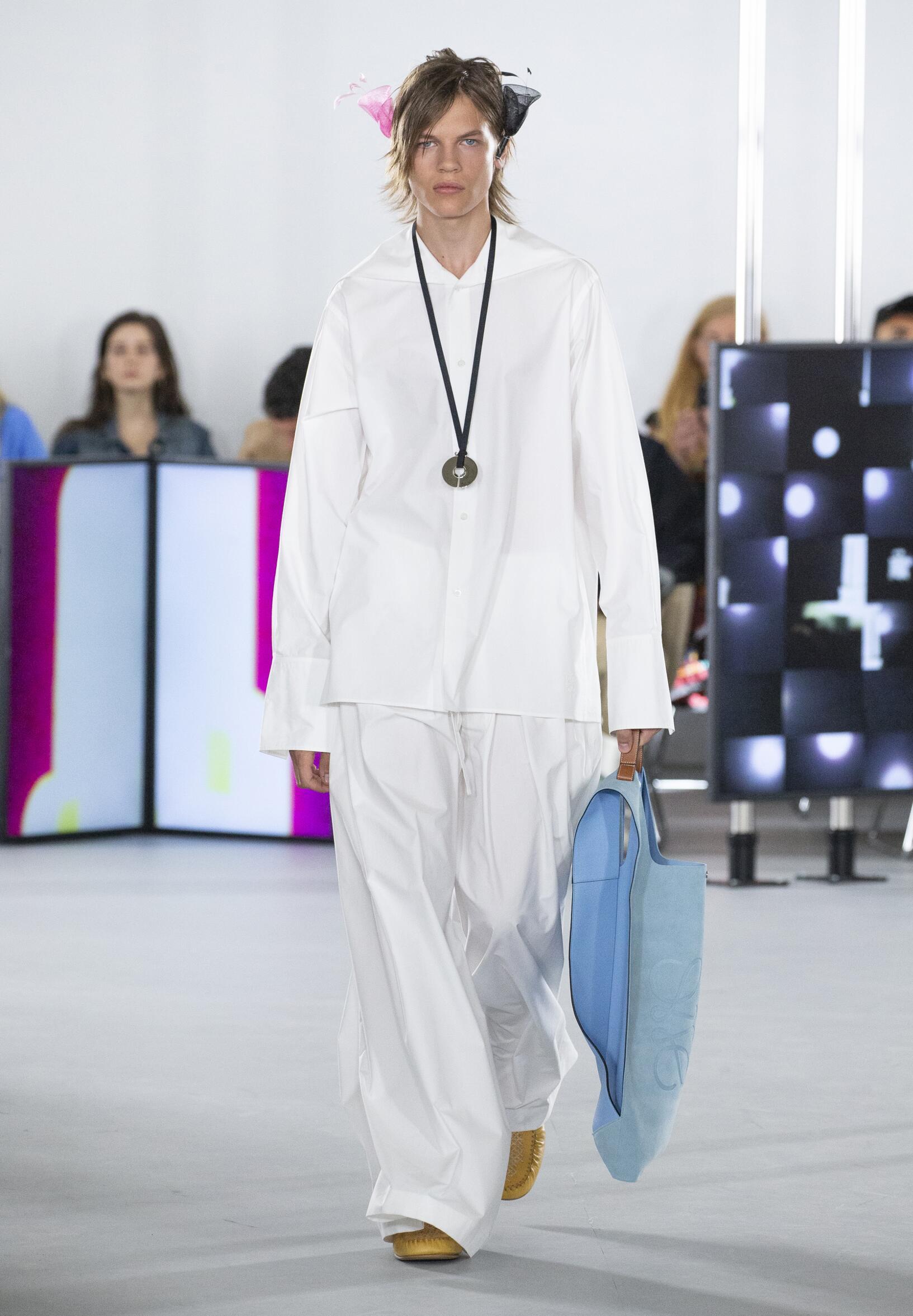 Loewe Fashion Show SS 2020