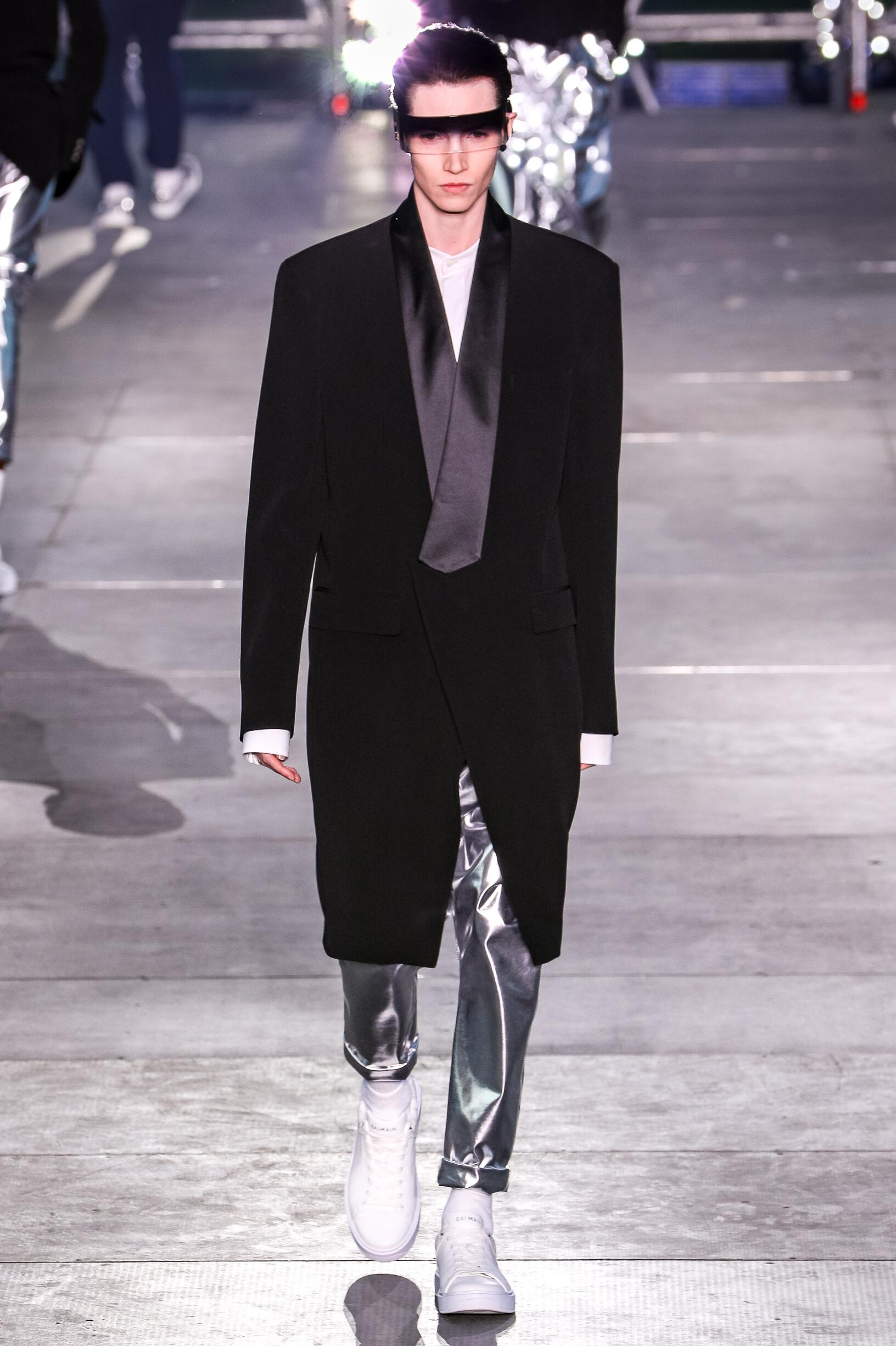 Man SS 2020 Balmain Show Paris Fashion