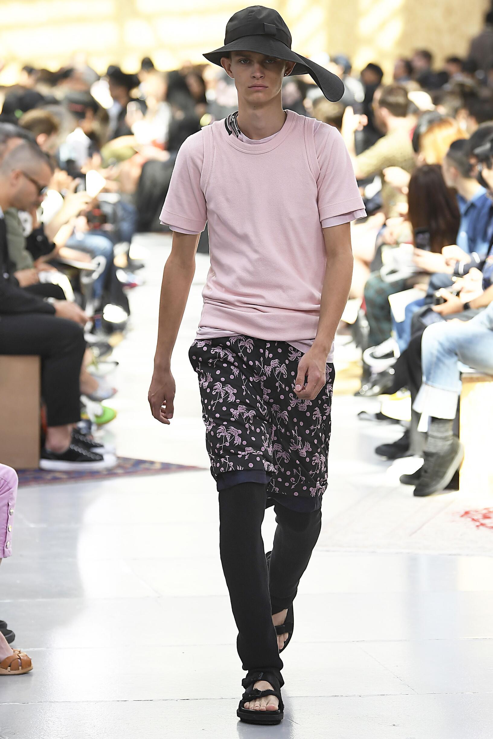 Man SS 2020 Sacai Show Paris Fashion Week
