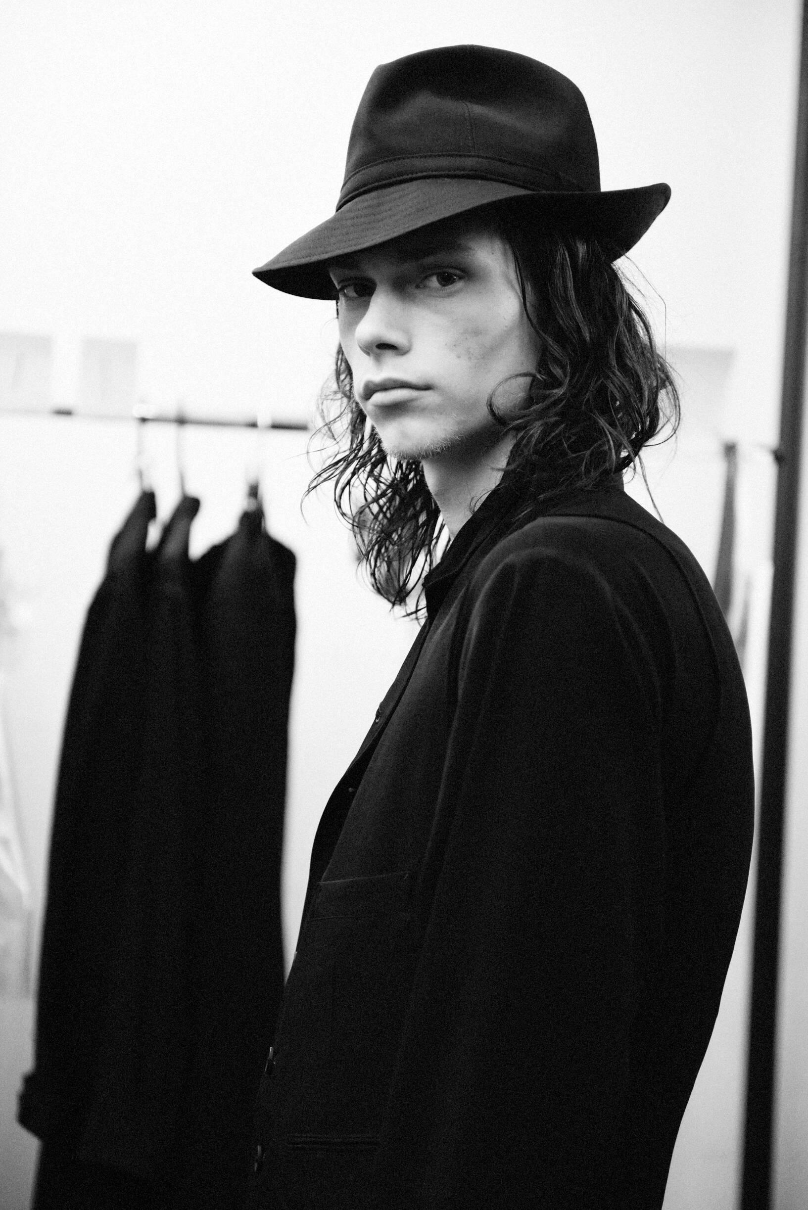 Model 2020 Backstage Yohji Yamamoto
