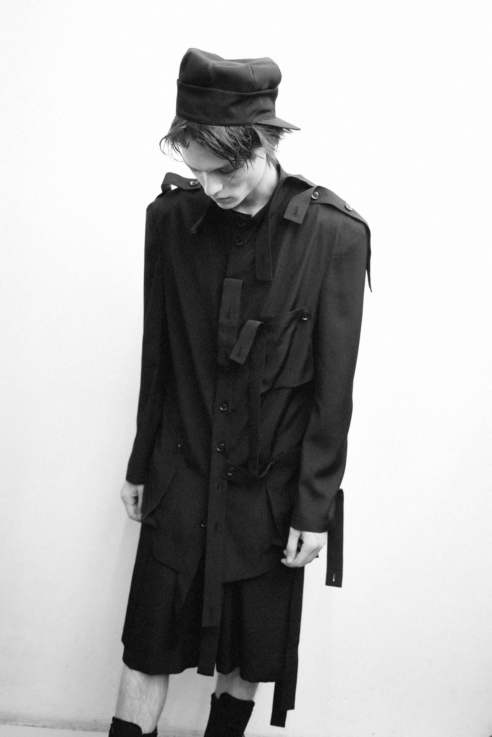Model Summer Backstage Yohji Yamamoto