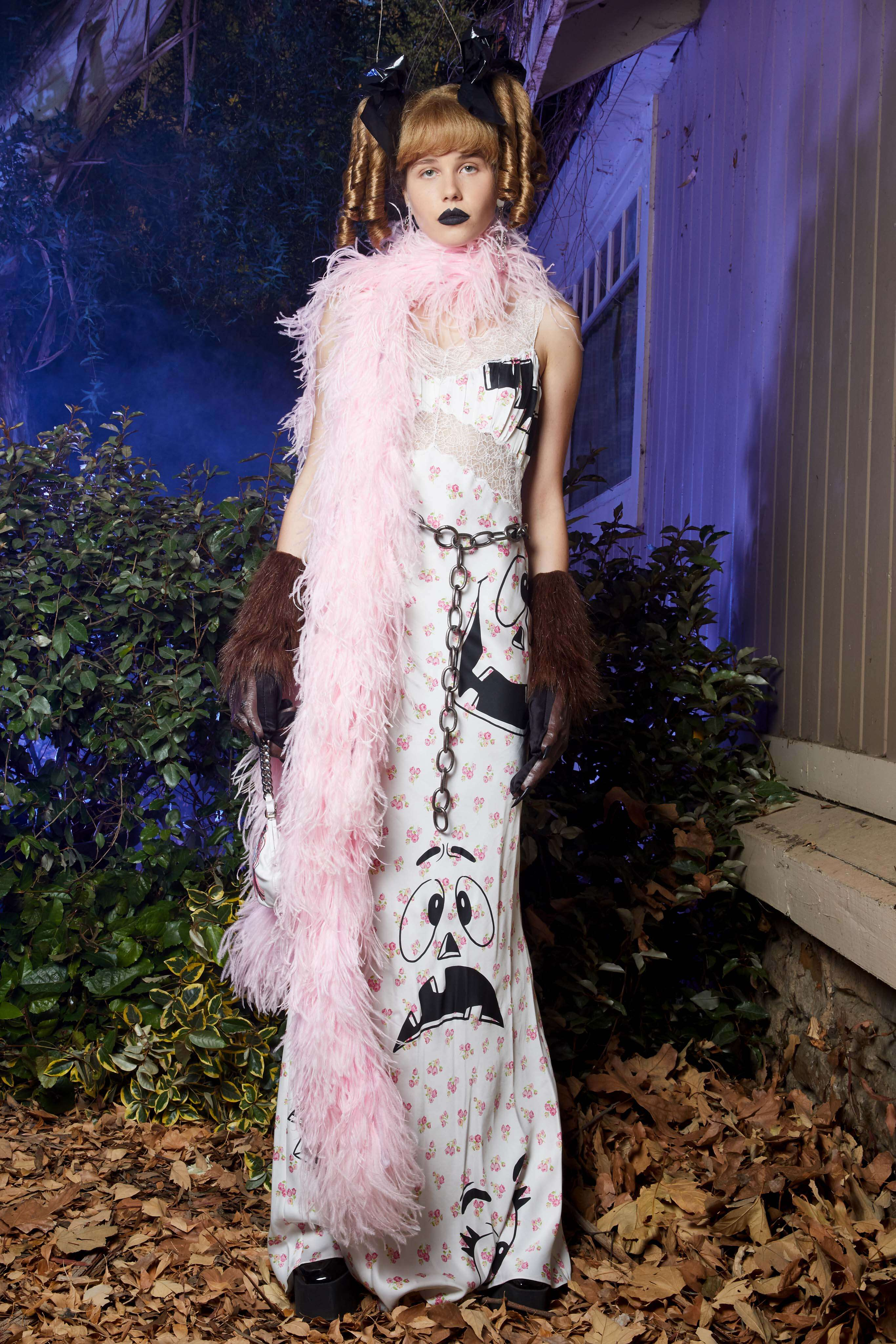 Resort 2020 Moschino Los Angeles Fashion Show Womenswear