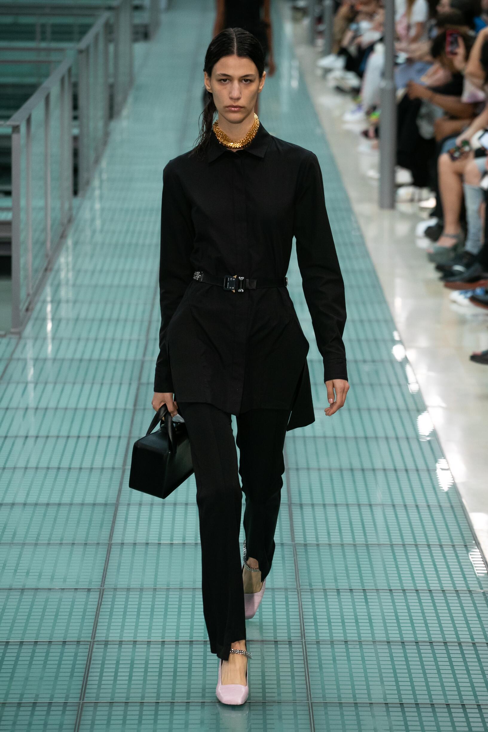 Runway Alyx Spring Summer 2020 Women's Collection Paris Fashion Week