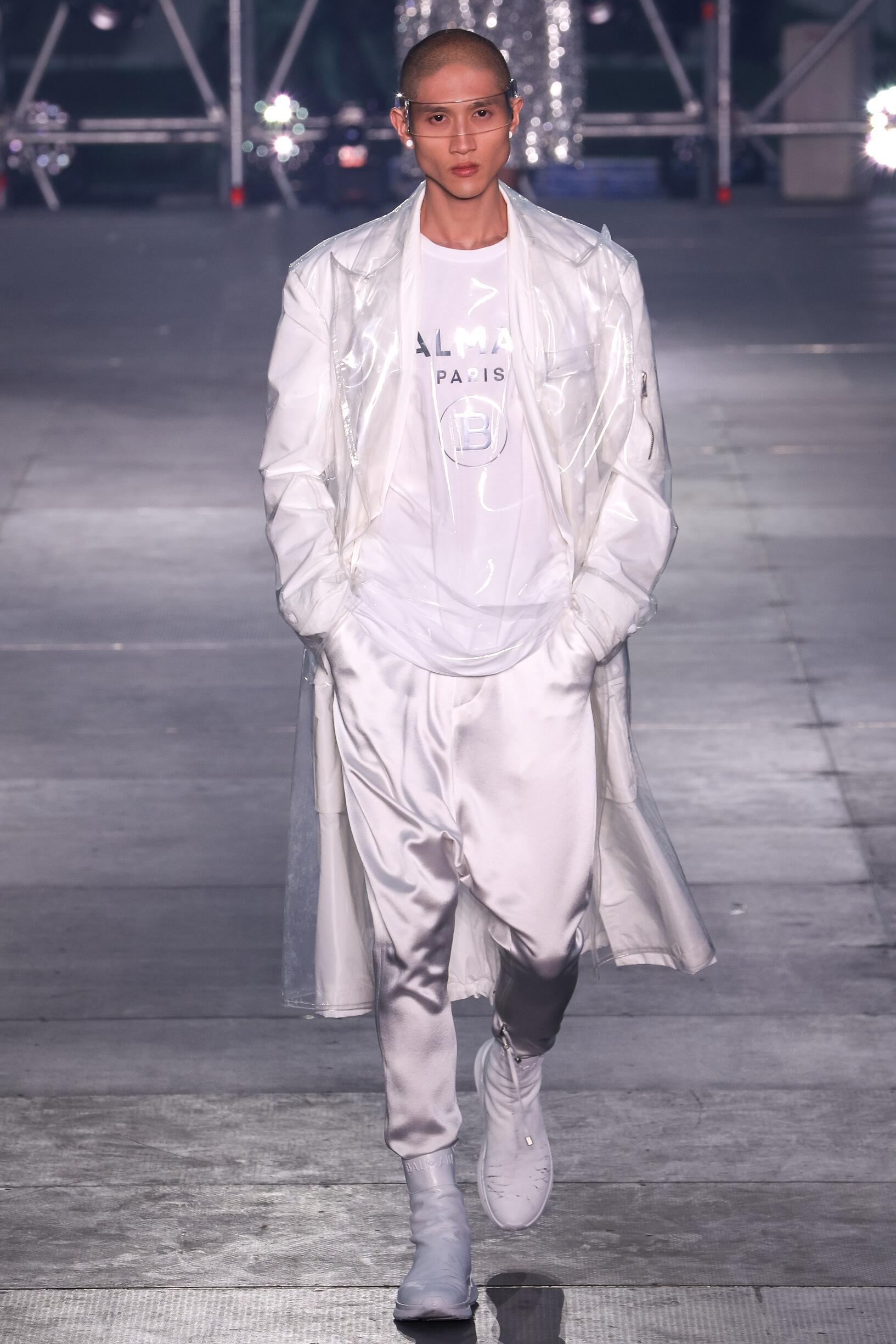 Runway Balmain Spring Summer 2020 Men's Collection Paris Fashion Week