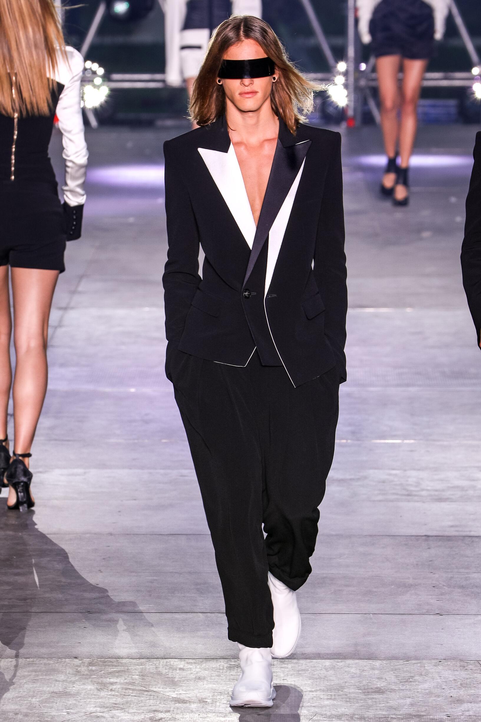 Runway Fashion 2020 Men Style Balmain